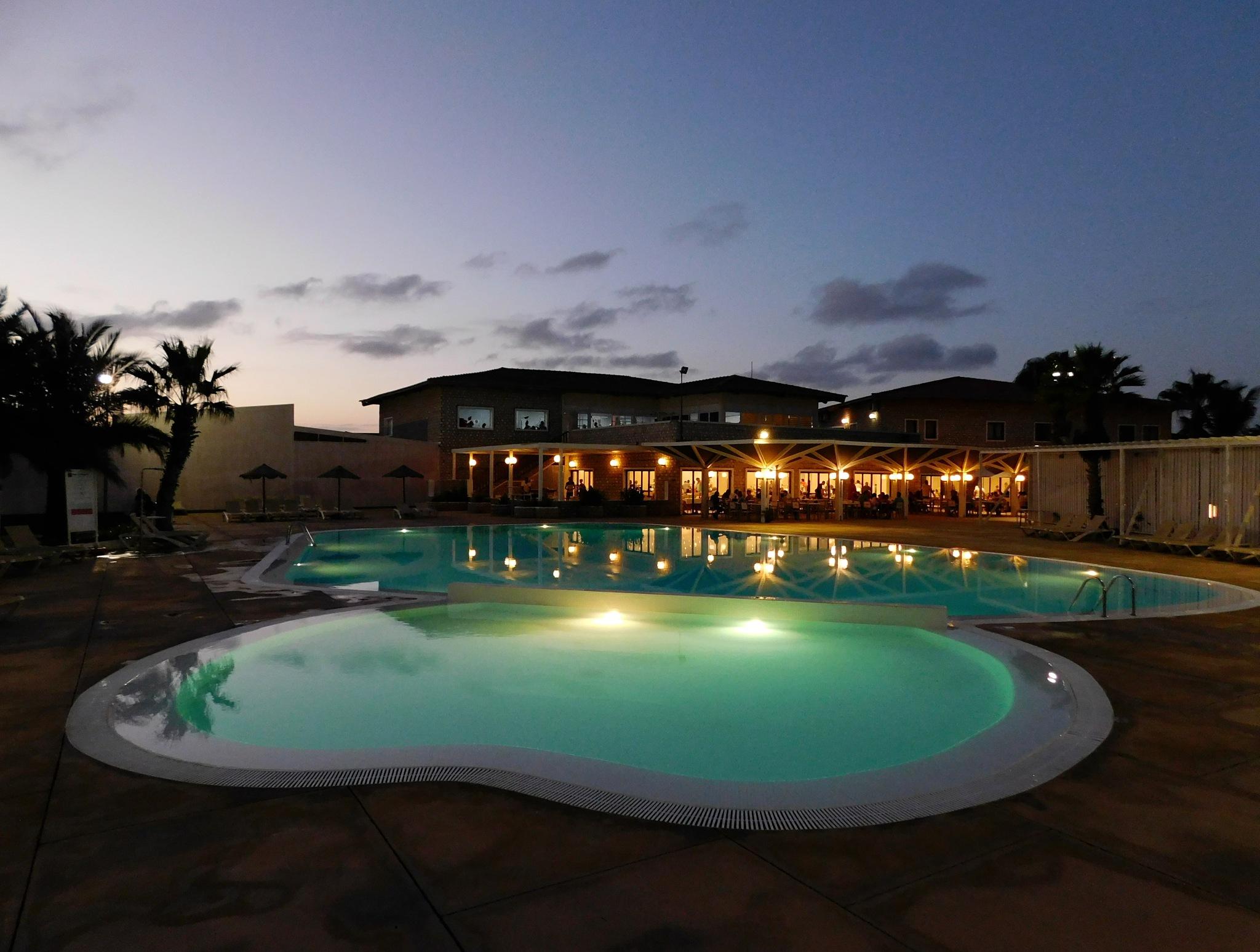 Photo in Random #pool #hollyday #hotel #evening #lights