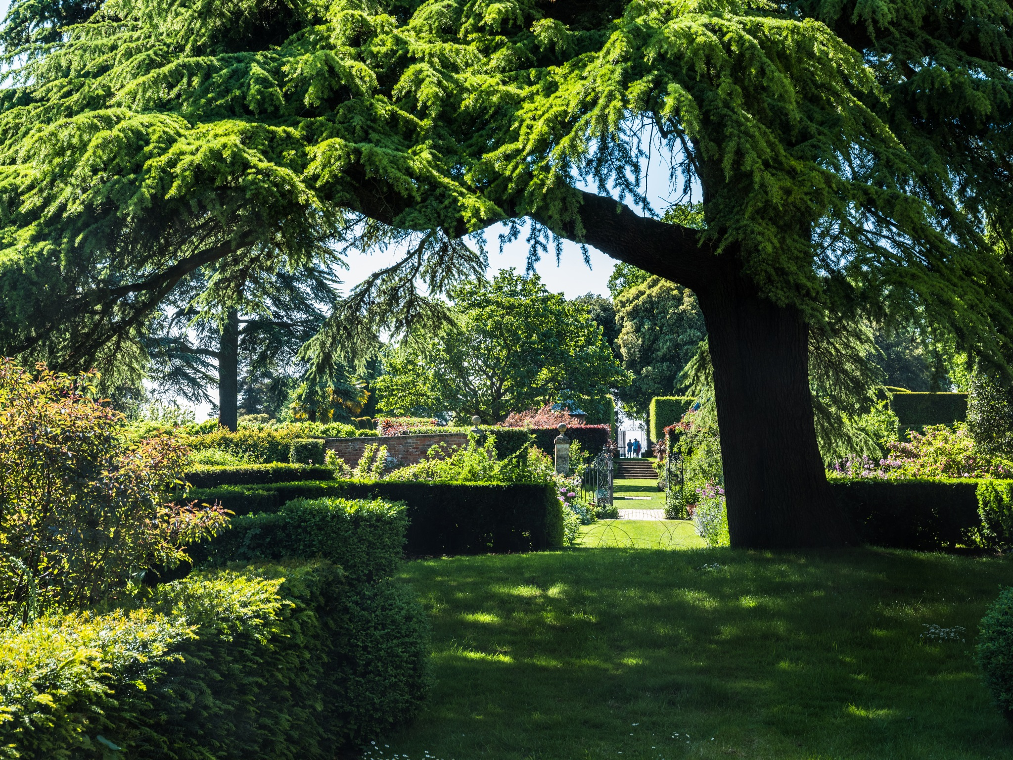 Cotswold garden by hutchst