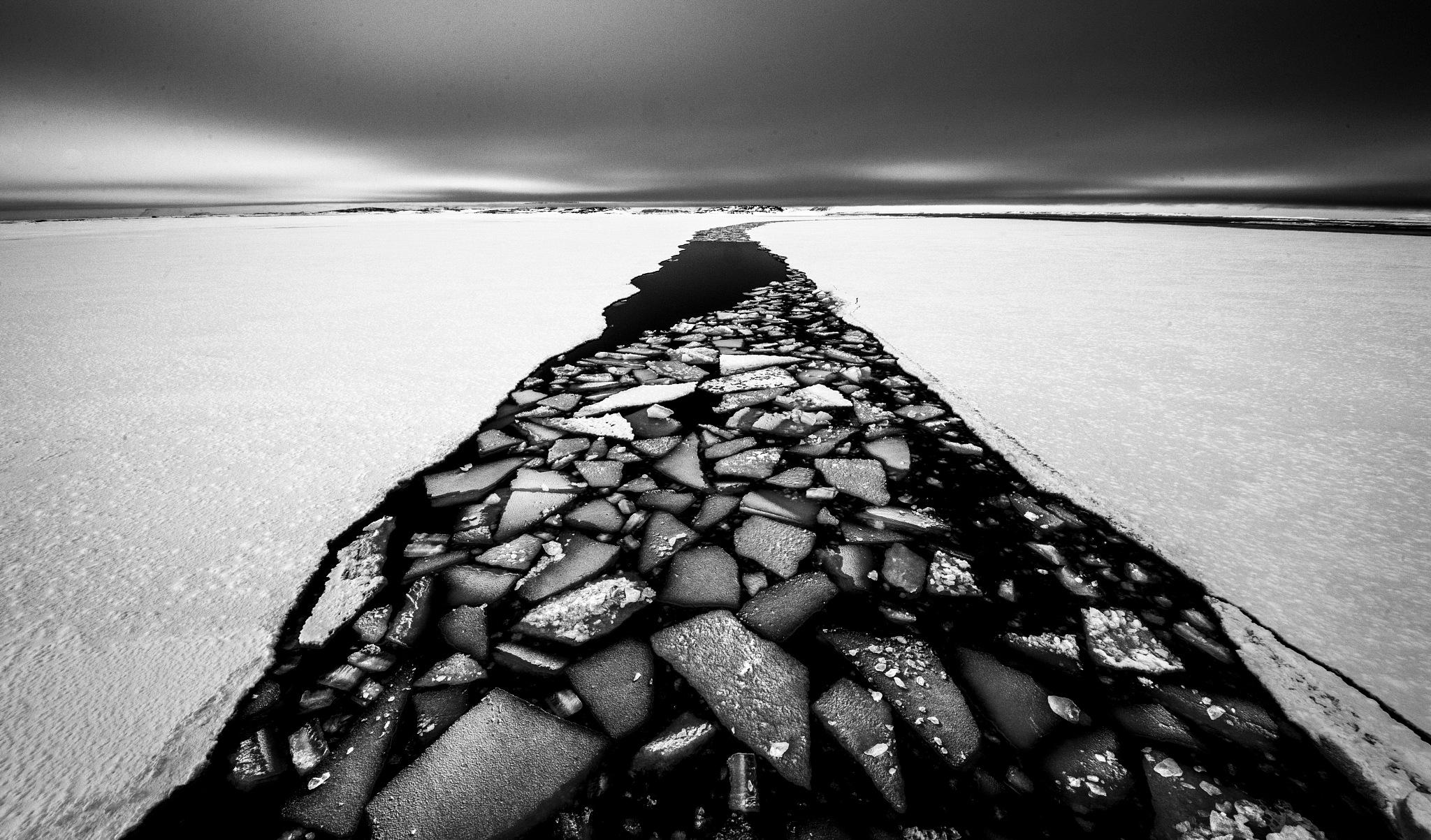 ship's wake, Svalbard by hutchst
