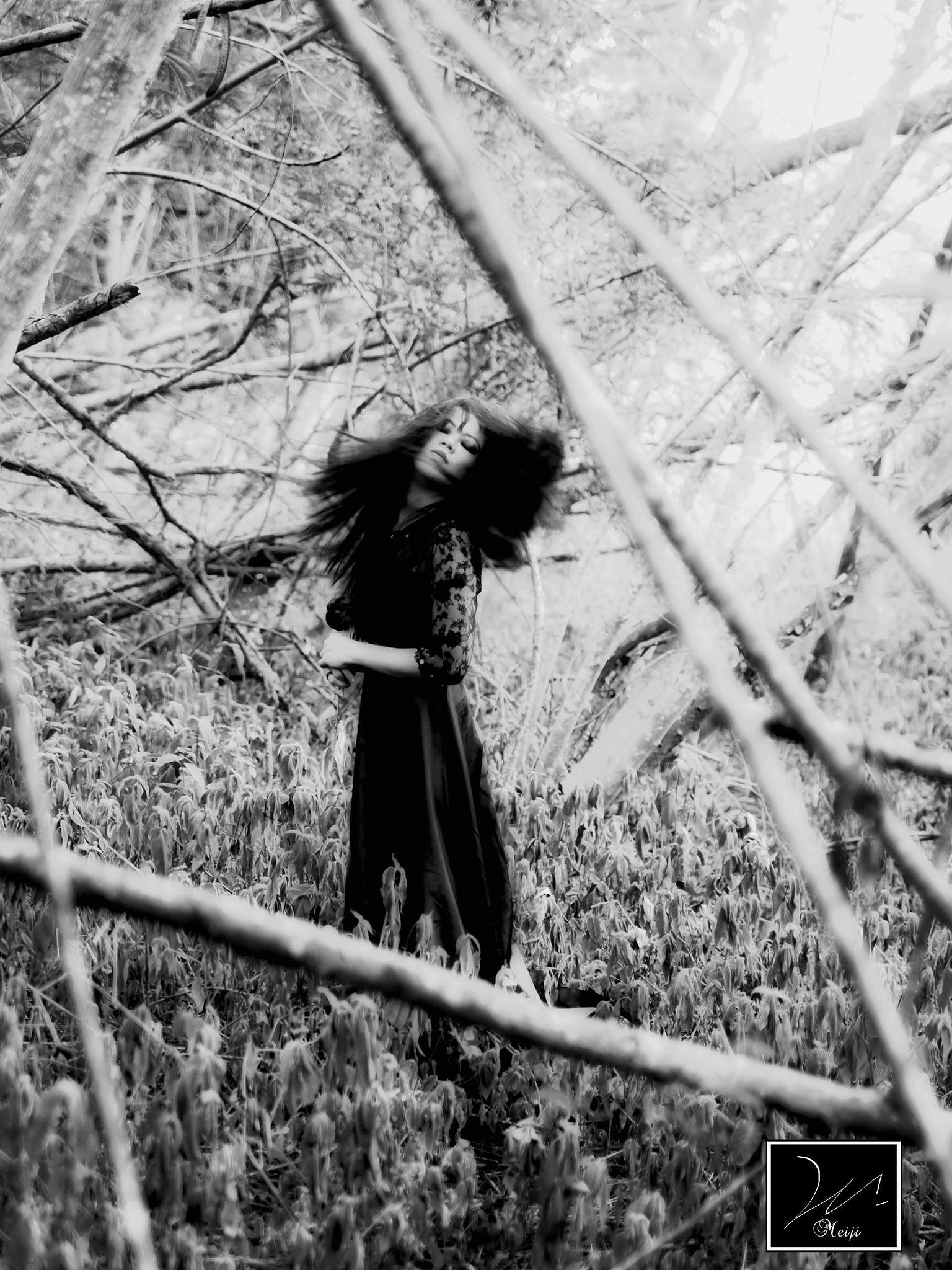 #darkbeauty #fineartphotography #colorizemood #passion by zura