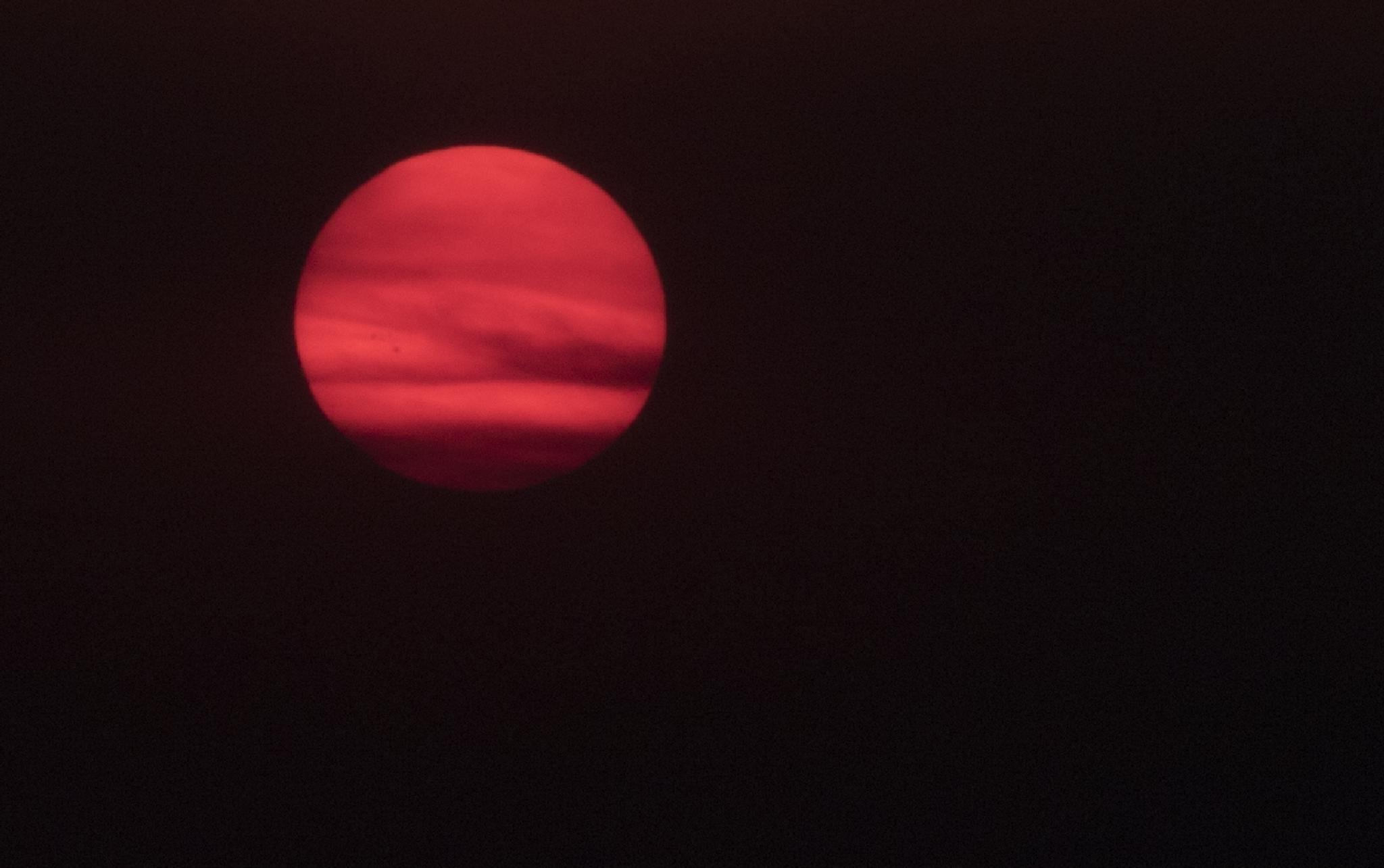 Red Sun by Bob Vaughan