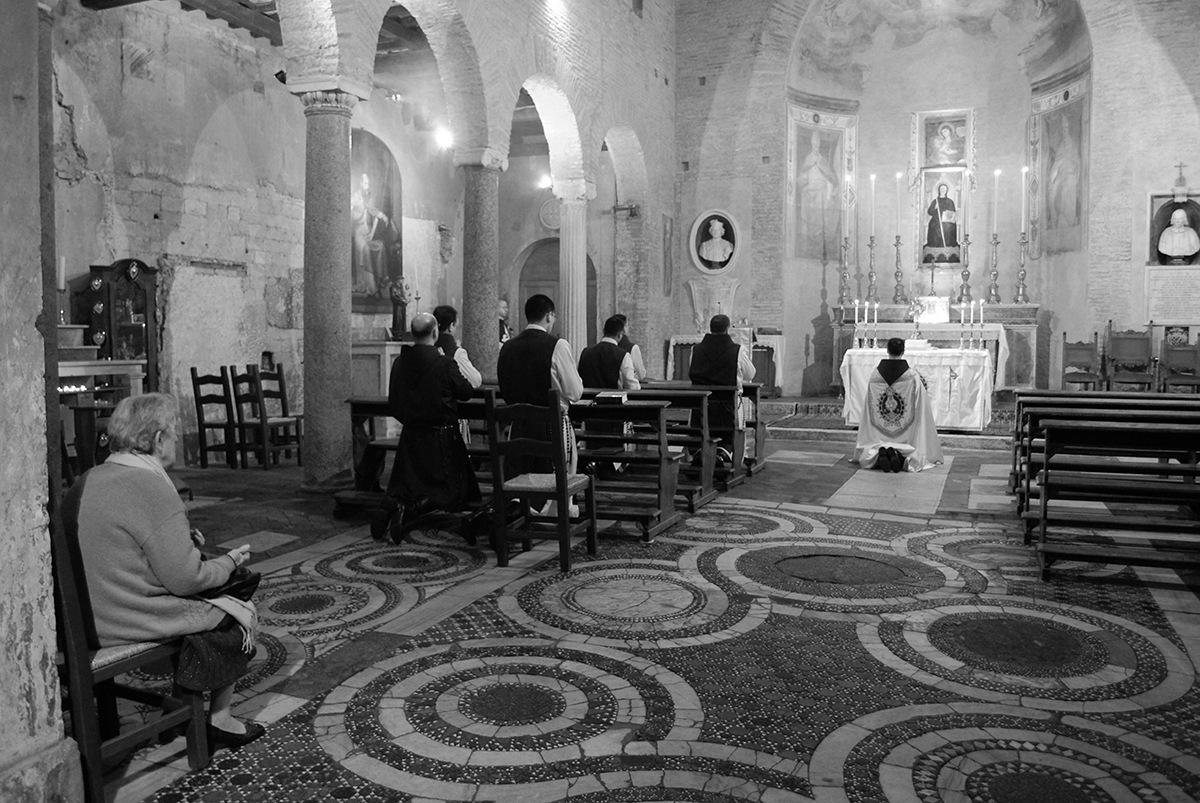 Pray by juliandelnogal