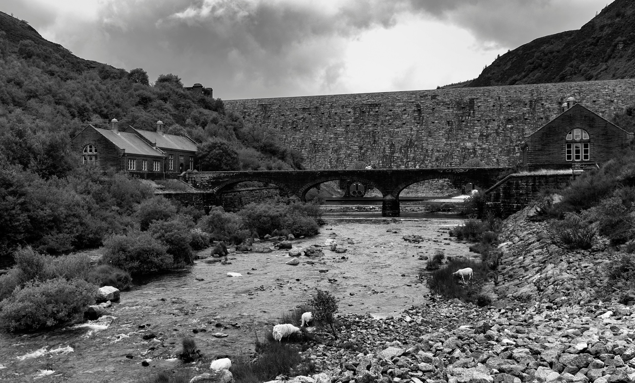 Graig Coch dam, Elan Valley mid Wales by lindans