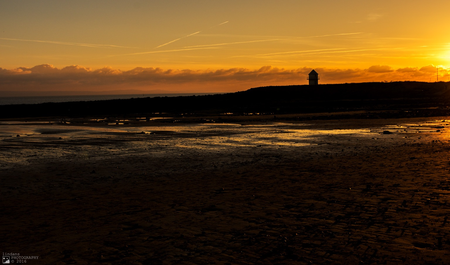 Sunset Porthcawl by lindans