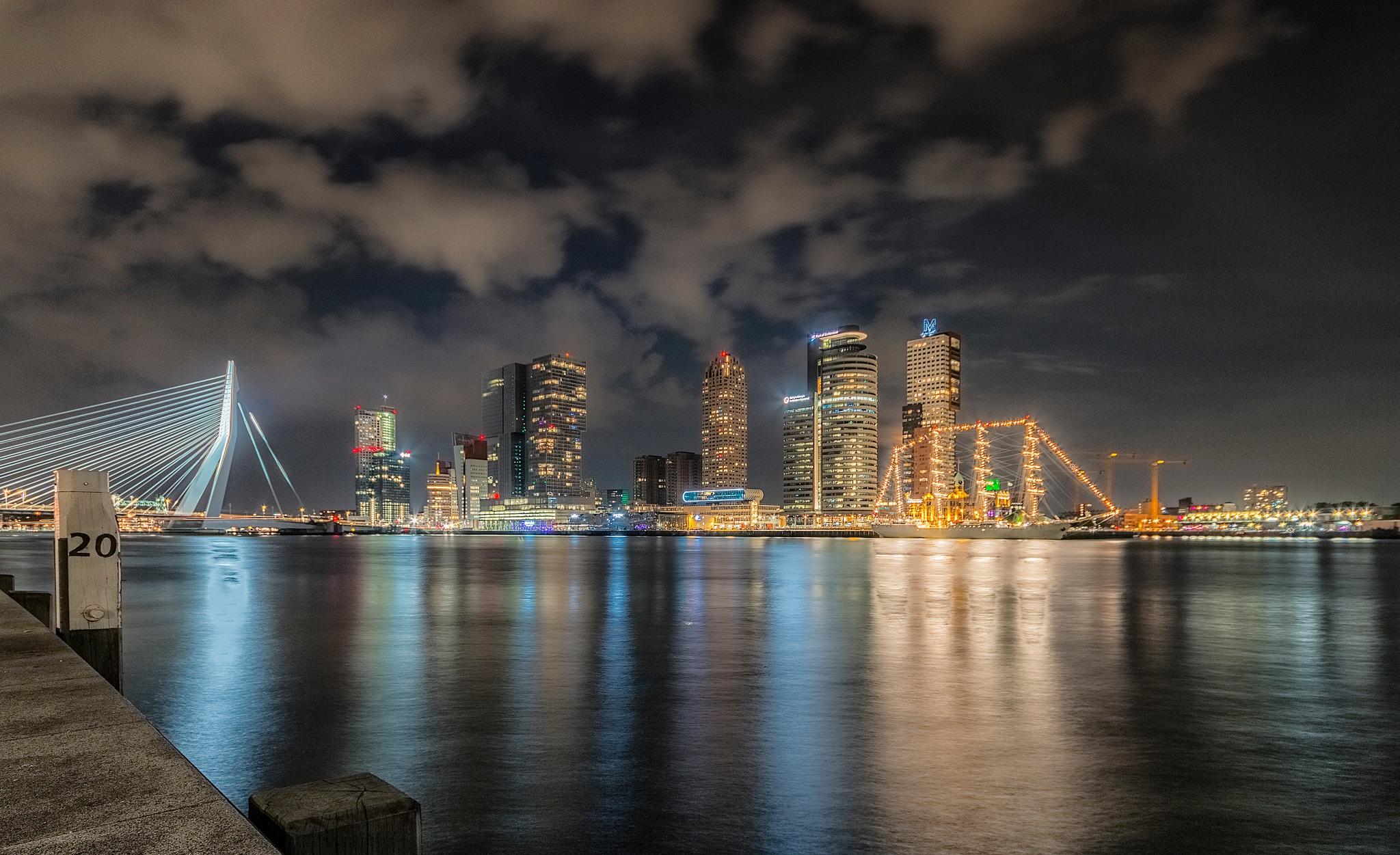 Rotterdam, view Wilhelminakade by Henk