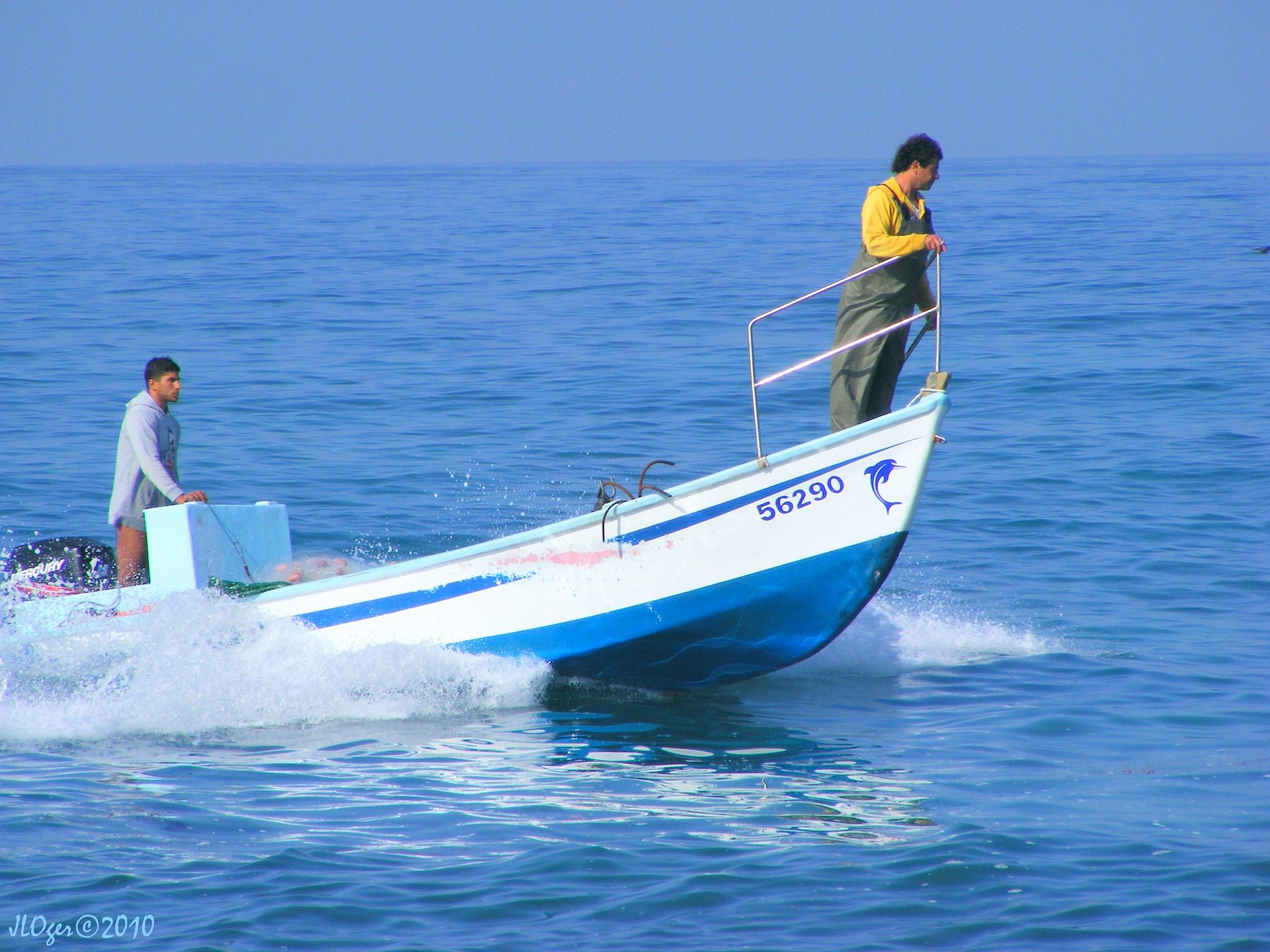 ...pêcheurs au large d'Haïfa... by JLOger