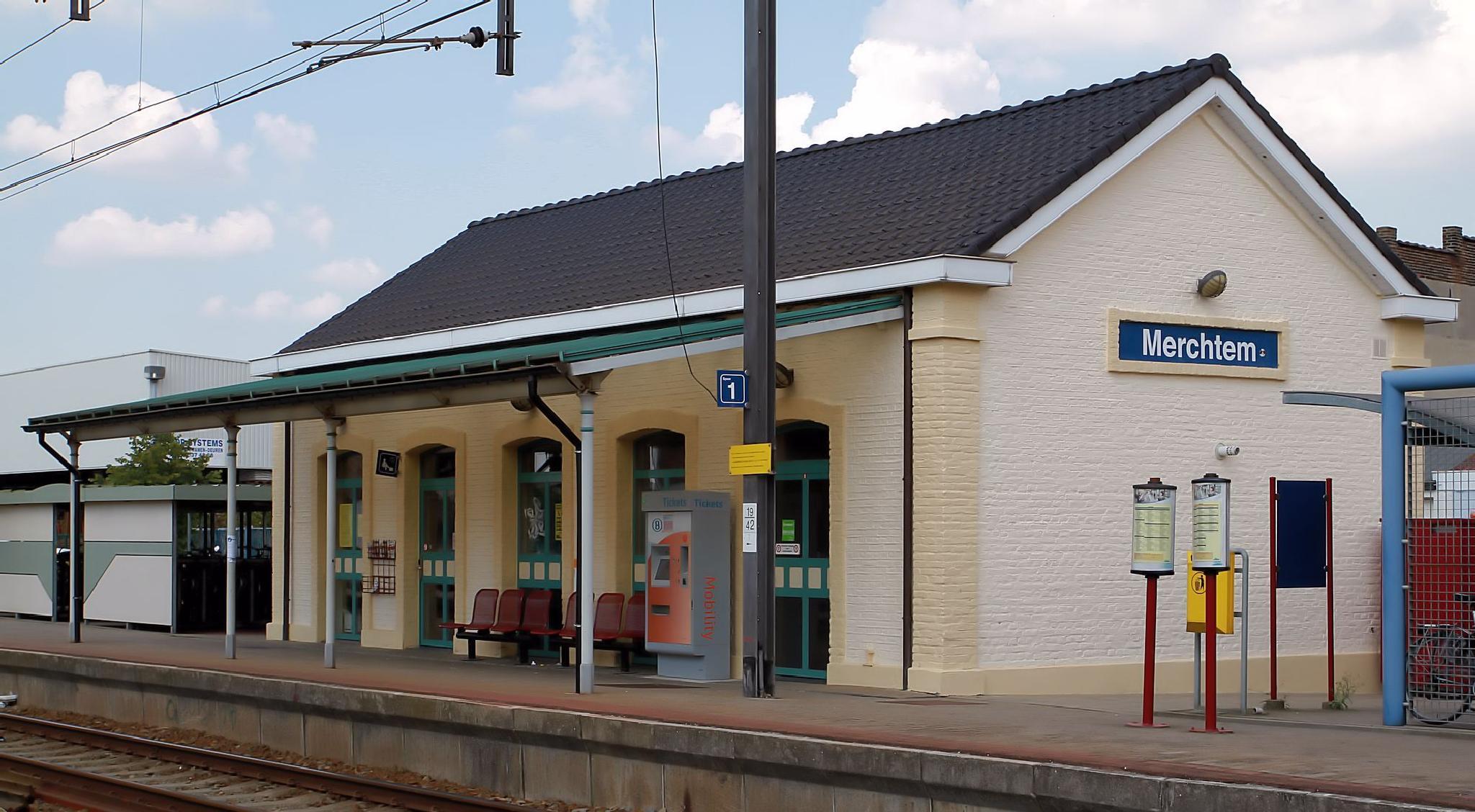Merchtem, (BE), the old trainstation by JPVD fotografie
