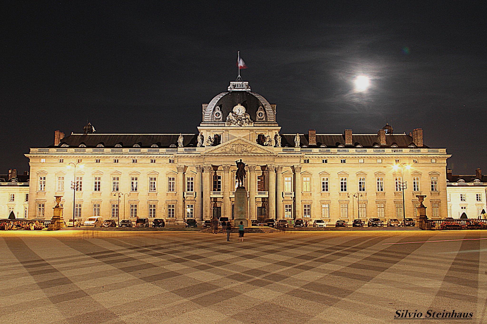 Escola Militar. Paris. França by silviosteinhaus