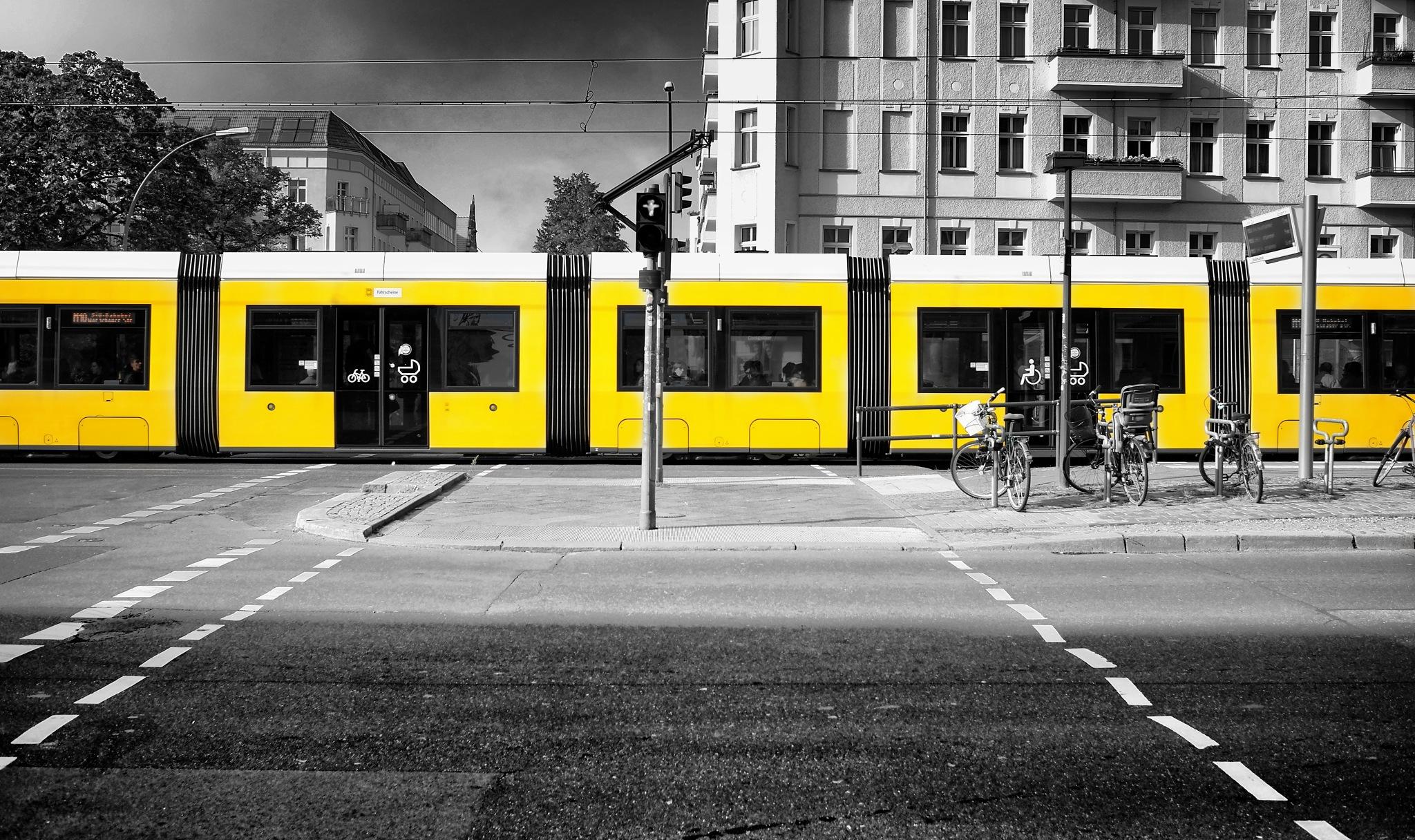 ... yellow line by Carlo Scherer