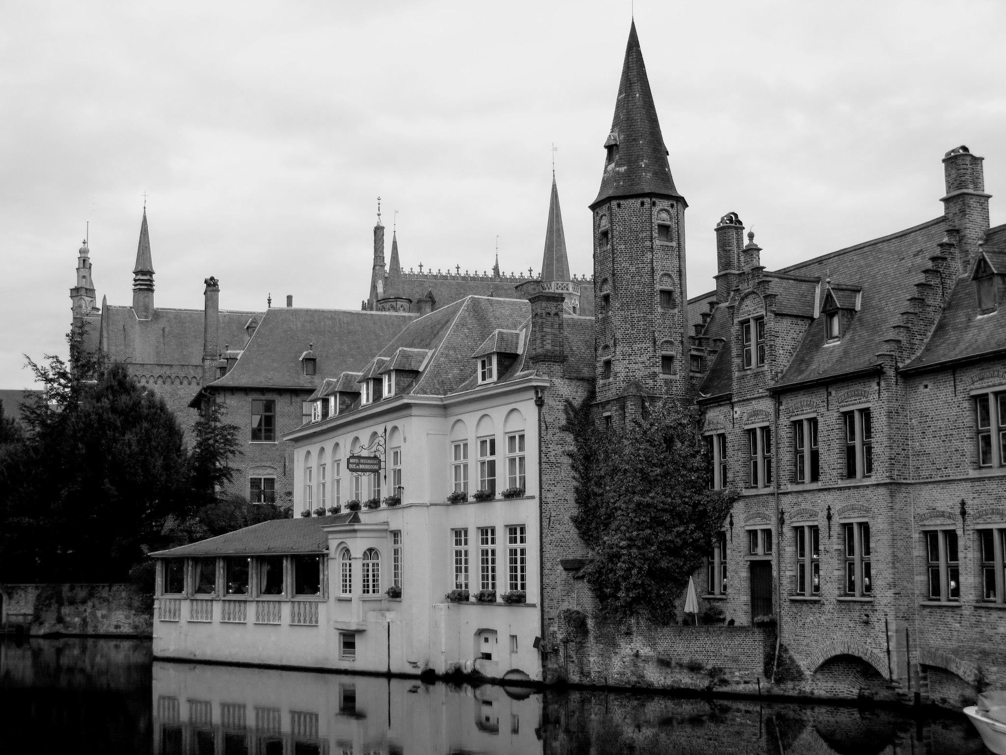 Summer evening in Bruges, Belgium by Ela Gajowska