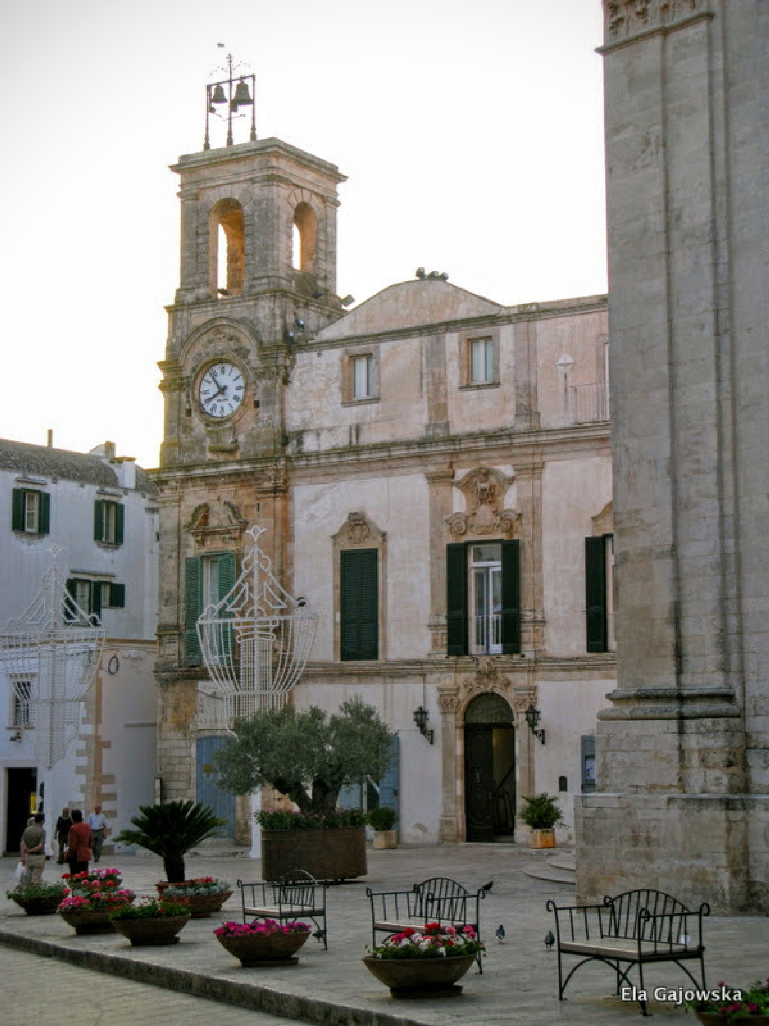 A lovely evening in Martina Franca, Puglia by Ela Gajowska