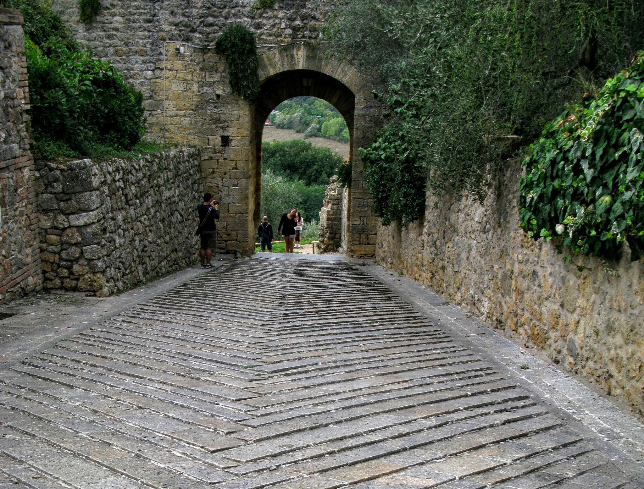 A medieval gate in Monteriggioni by Ela Gajowska
