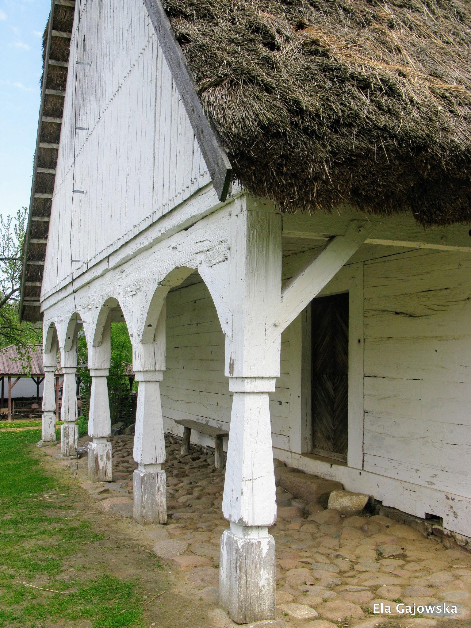 18th century farmhouse by Ela Gajowska