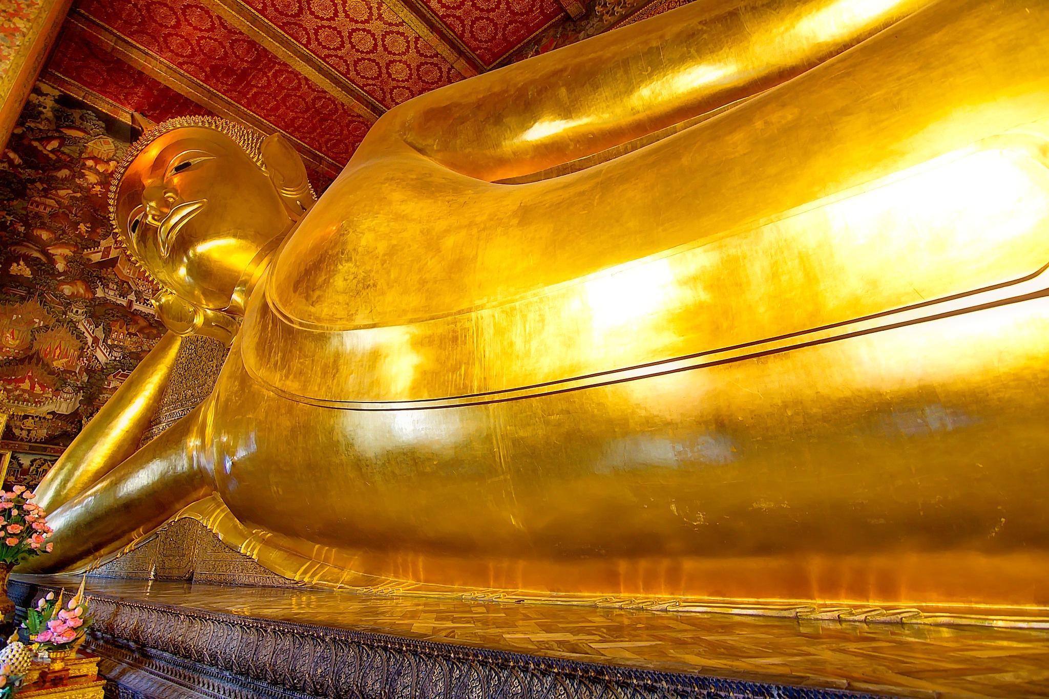 Buddha lying down by WSimone