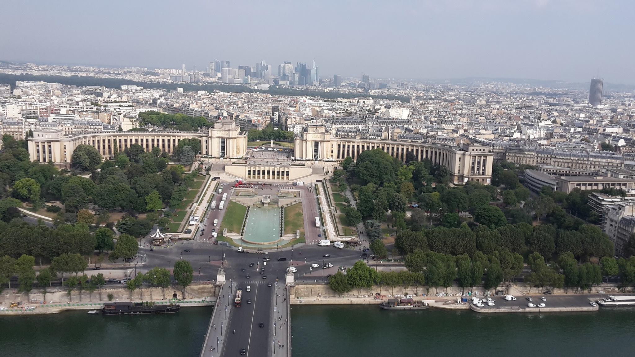 Paris by  robert pojedinec robert