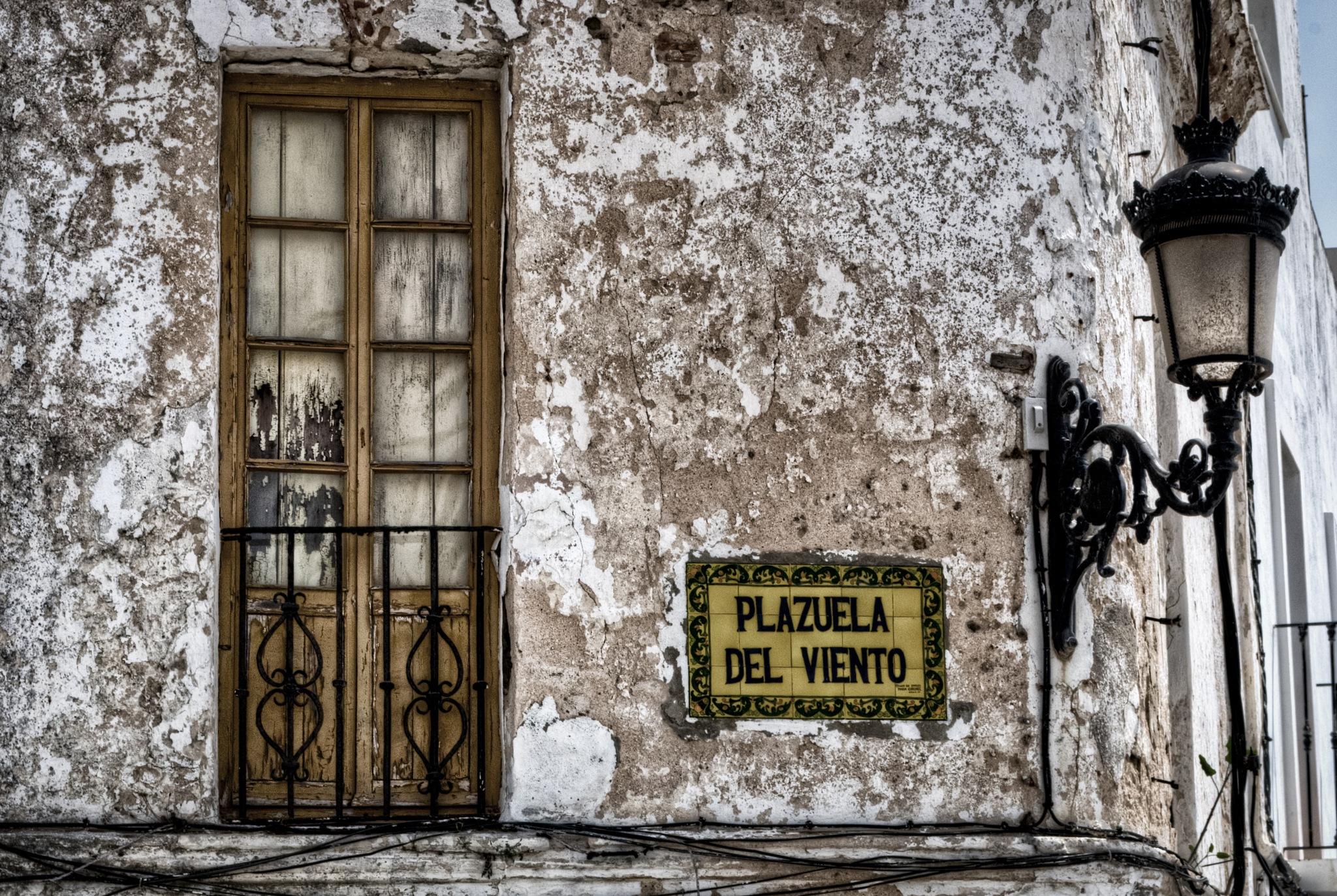 La Plazuela del Viento. / The Square of the Wind - Tarifa - Cádiz by MiguelOnPhotography