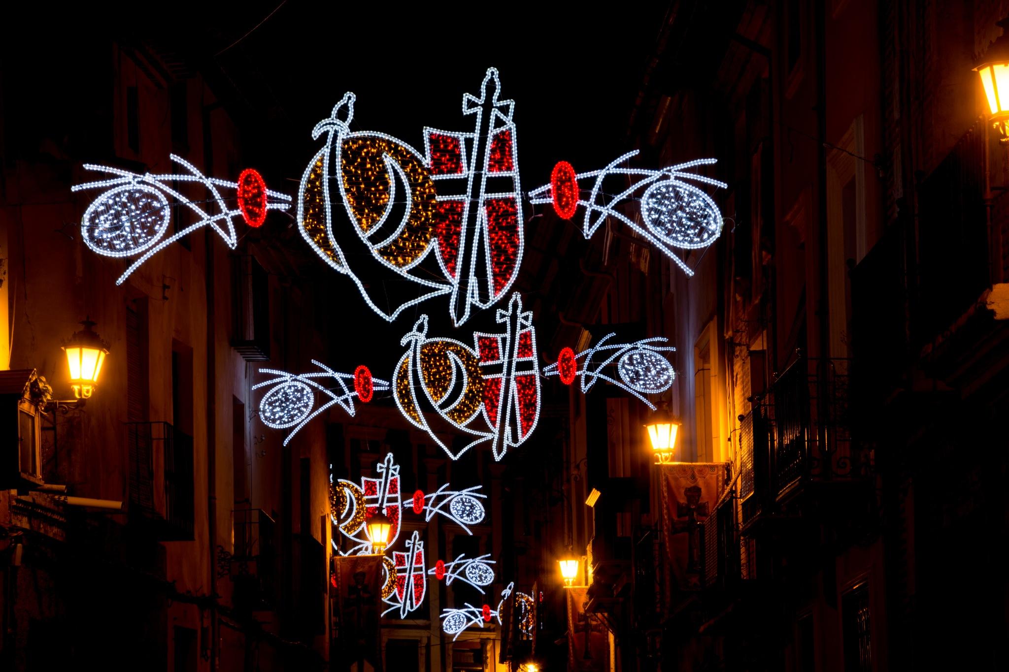 La  noche y la fiesta. by MiguelOnPhotography