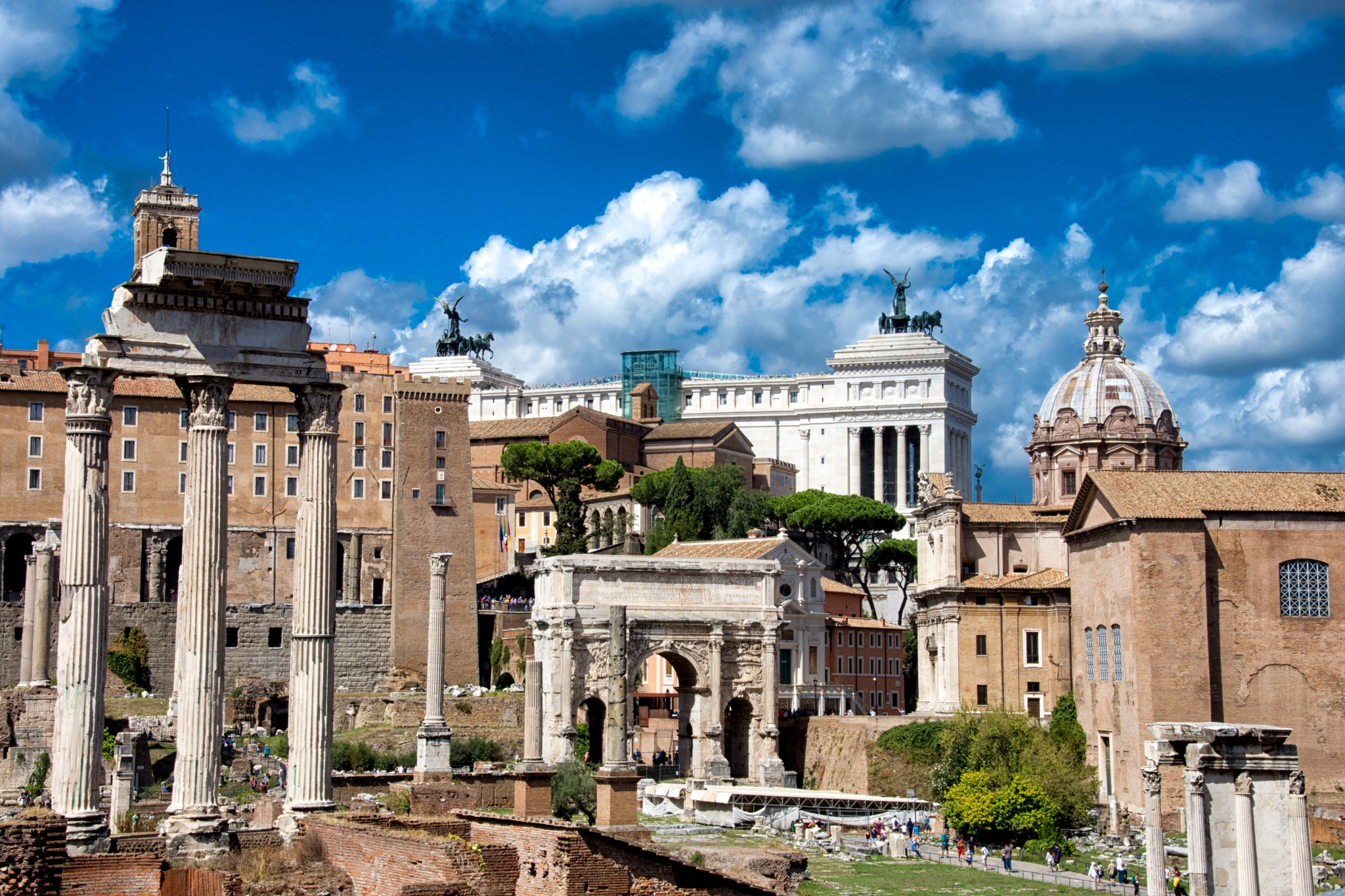 Regreso al pasado. Roma. by MiguelOnPhotography