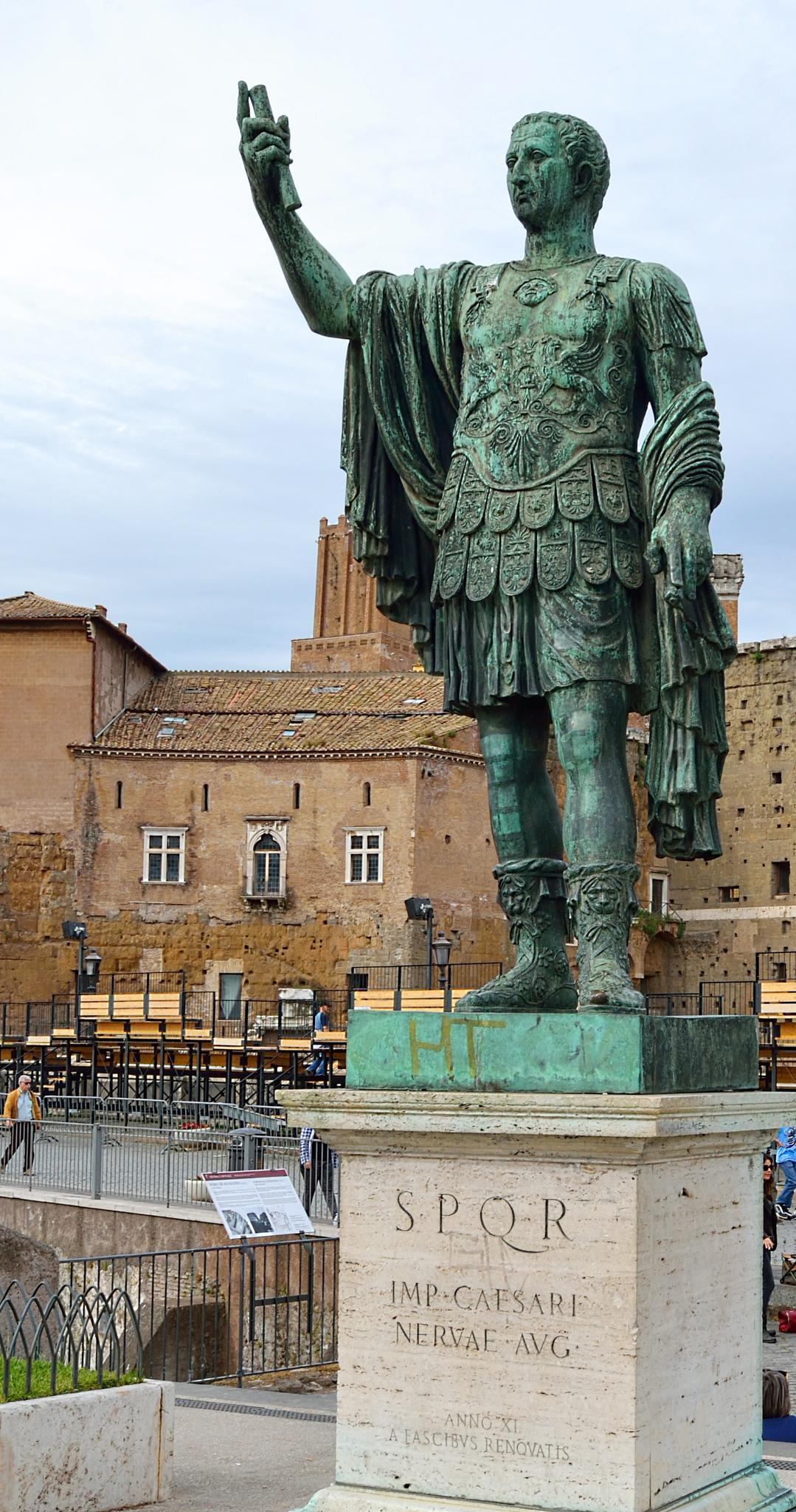 Estatua de Cesar Augusto - Statua di Cesare Augusto - Statue of Cesar Augusto by cjcastromm
