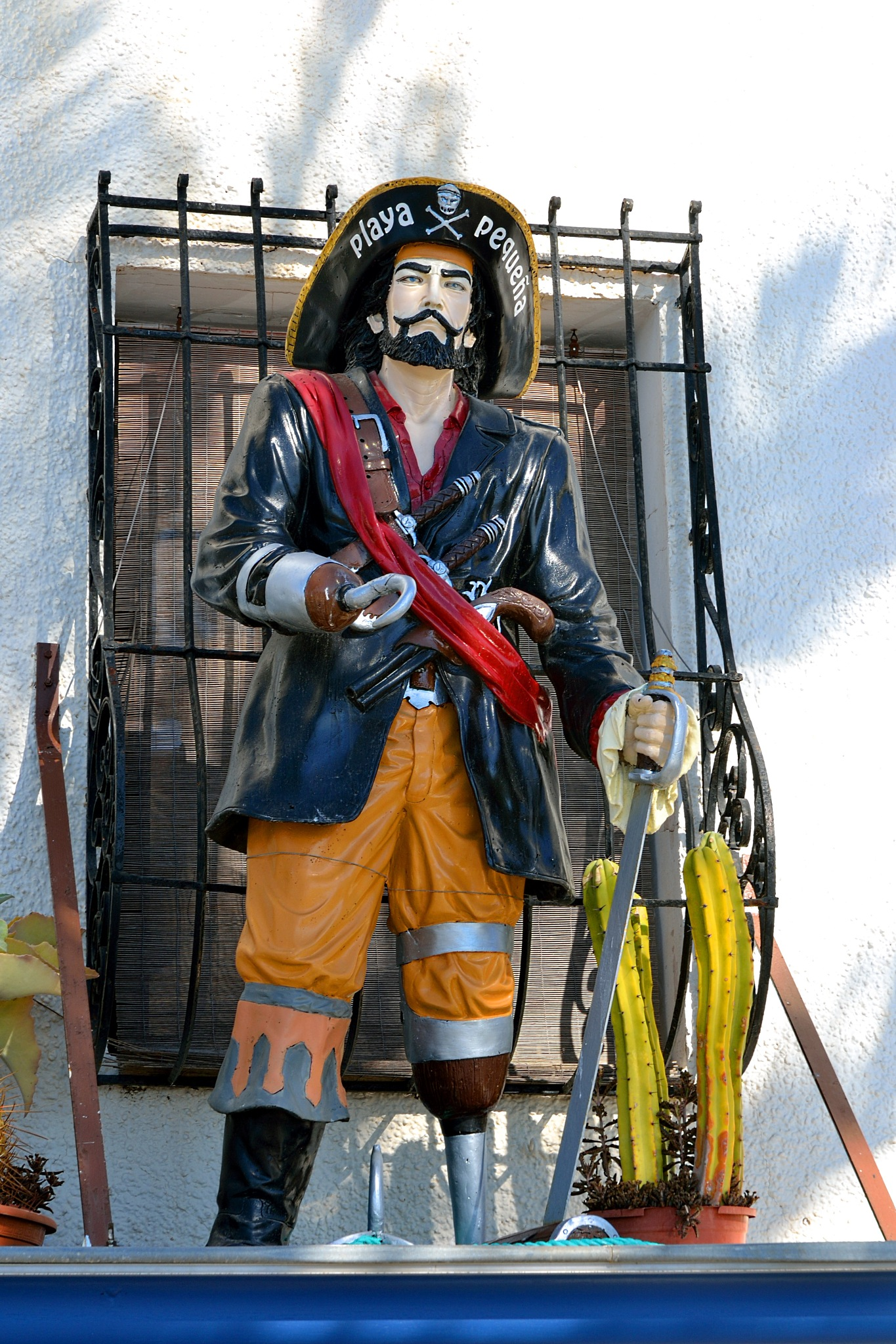 Un Pirata en la Azotea (Restaurado) - A Pirate on the Roof (Refurbished) - Un pirata sul tetto (rist by cjcastromm