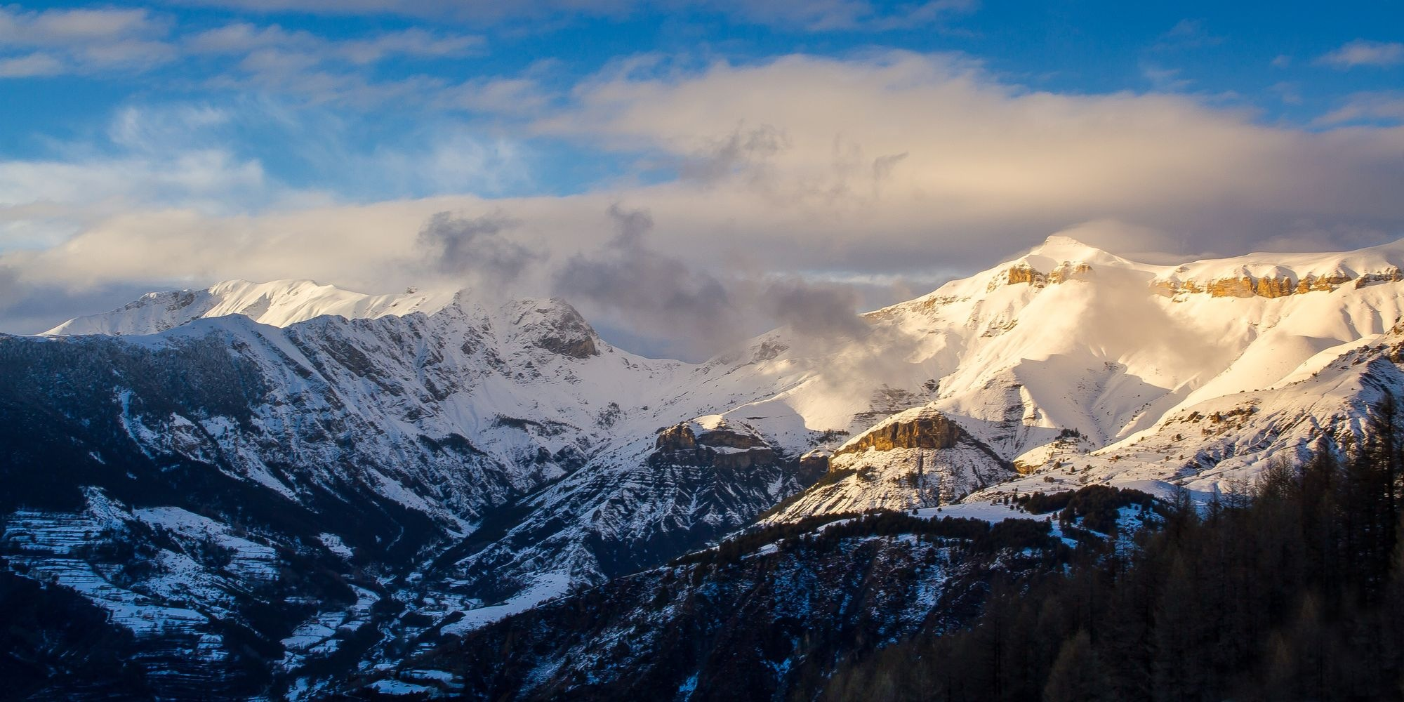 Wind On The Peaks (Q18a) by Darblanc