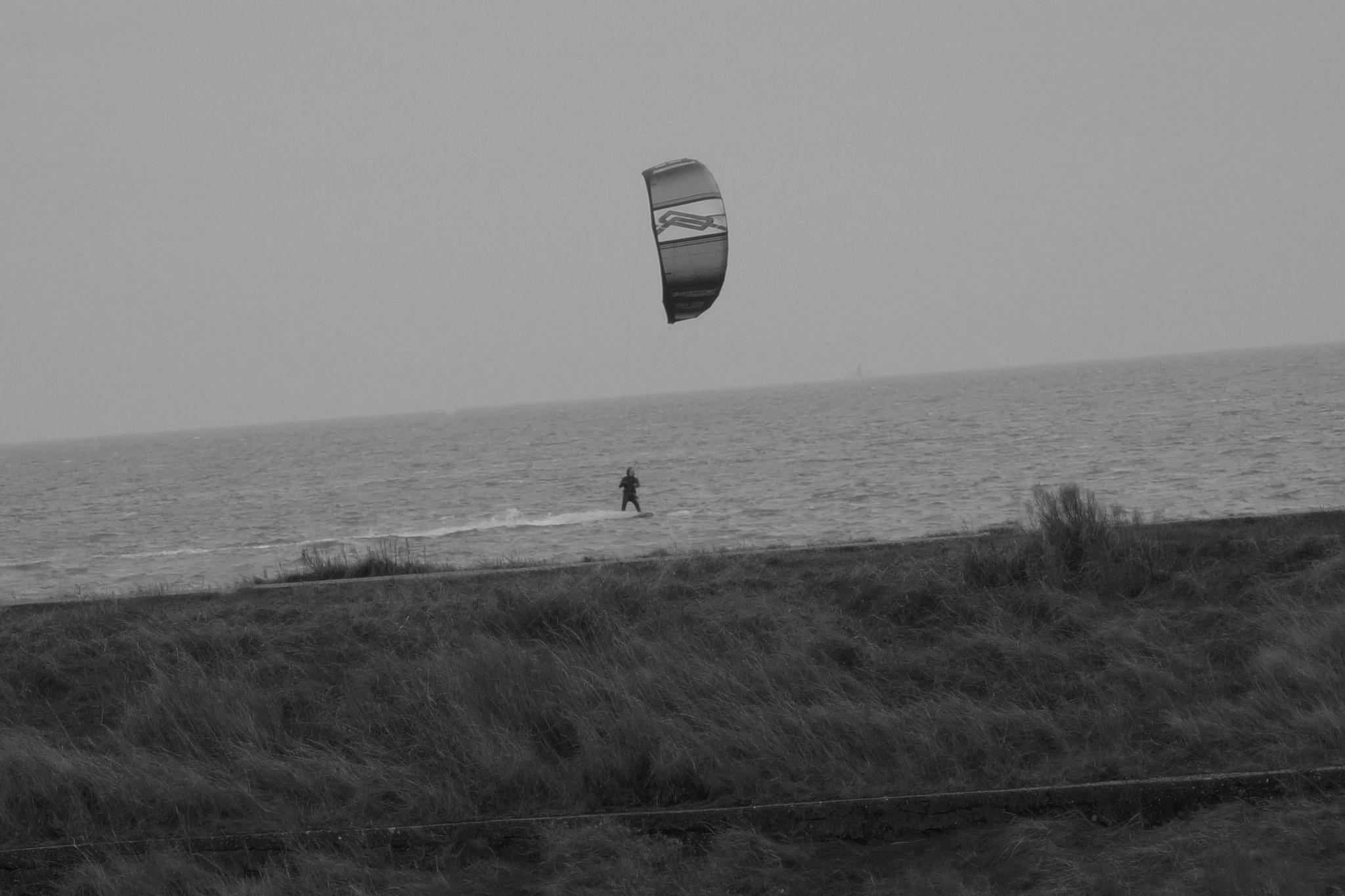 High speed Kitesurfing on Waddensea by Roelof de Haan