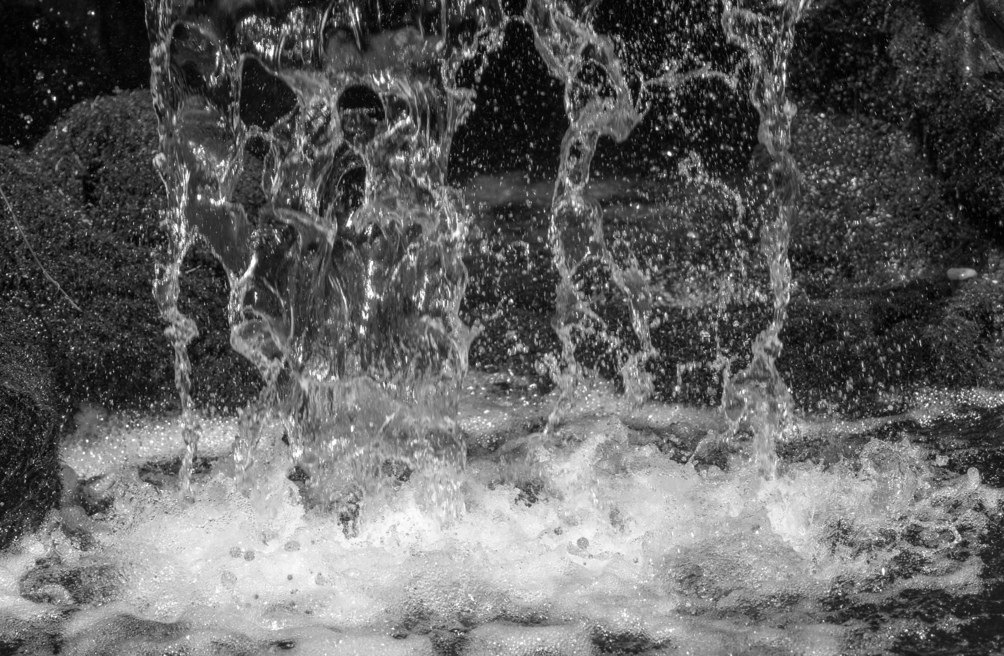 Falling water by Roelof de Haan
