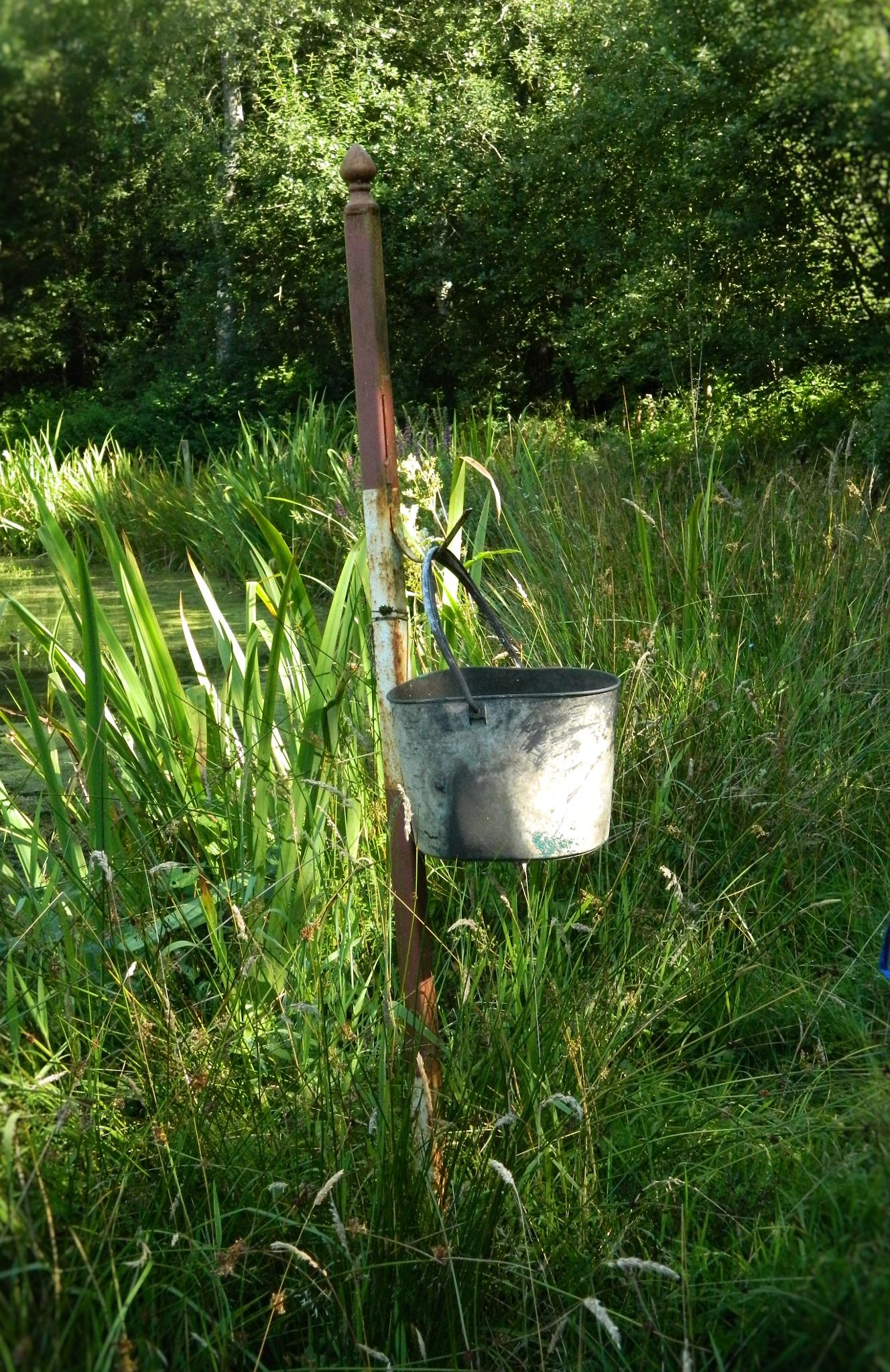old watér bucket by bryan dellbridge