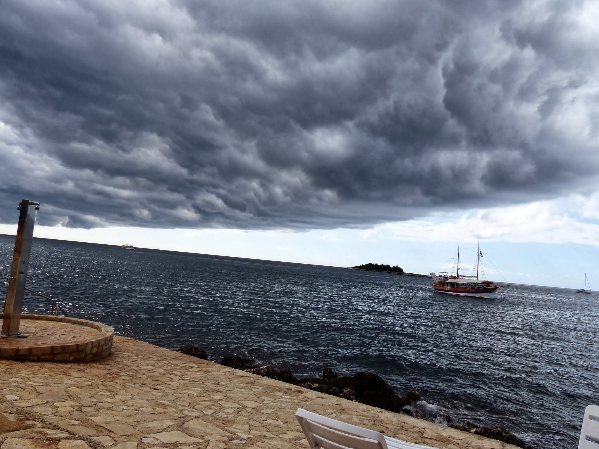 Before the storm by emalfni