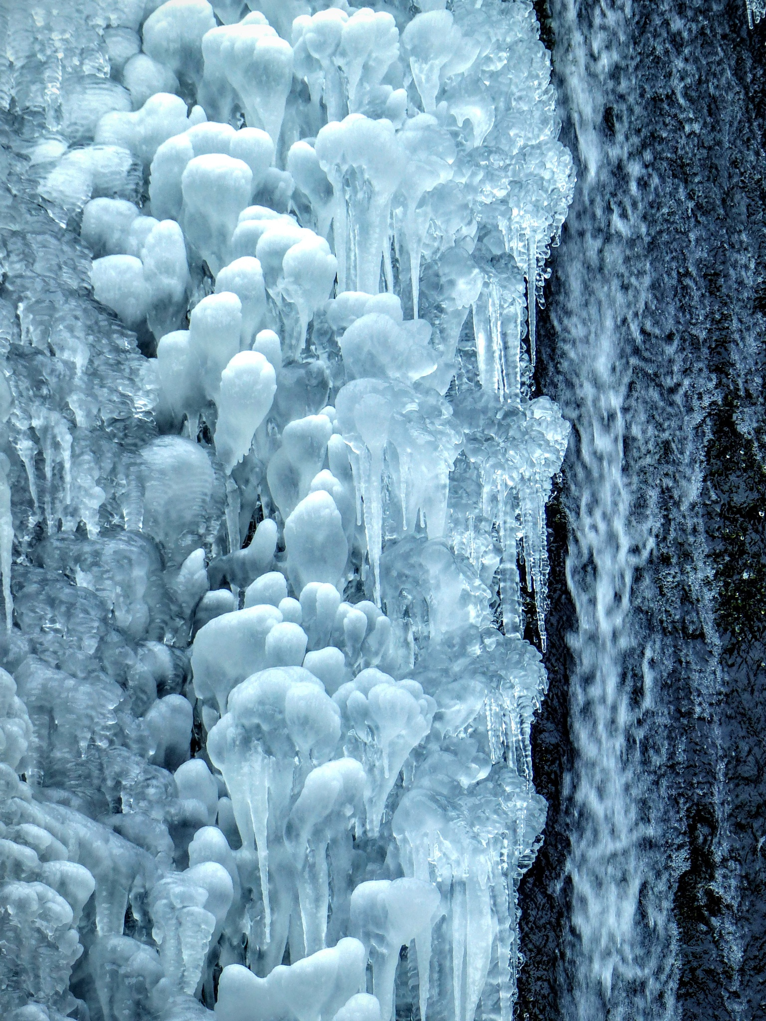 Frozen Waterfall 3 by emalfni