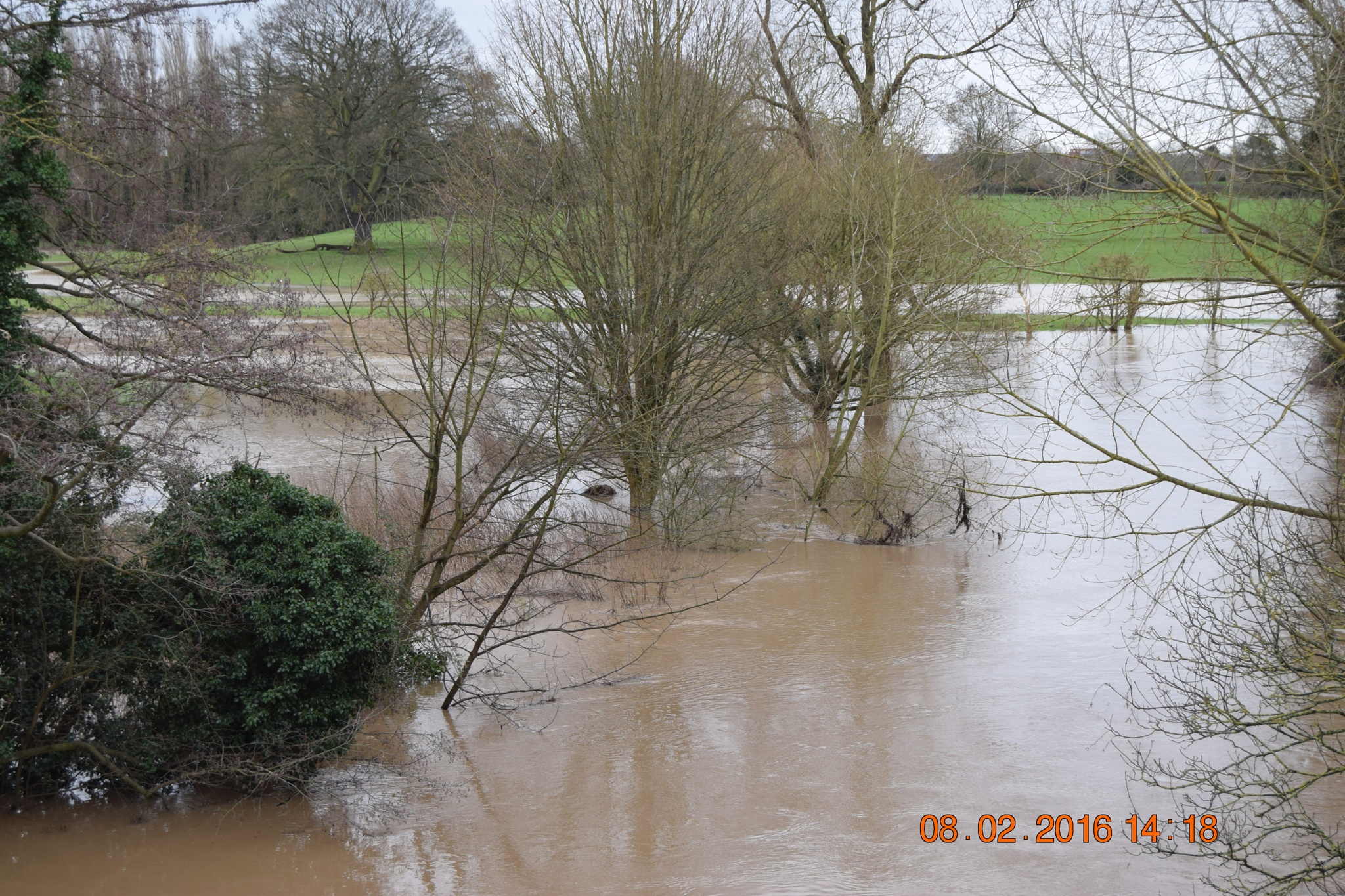 River Leam Flooded by towen78