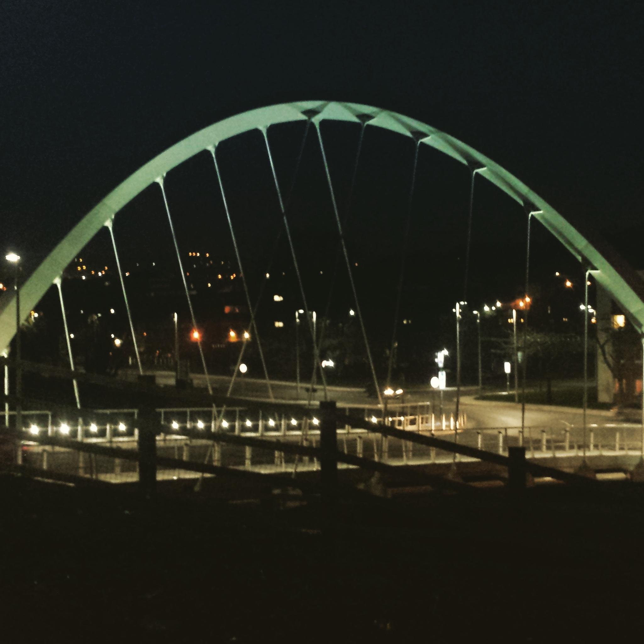 Night view of Bridge by lprice