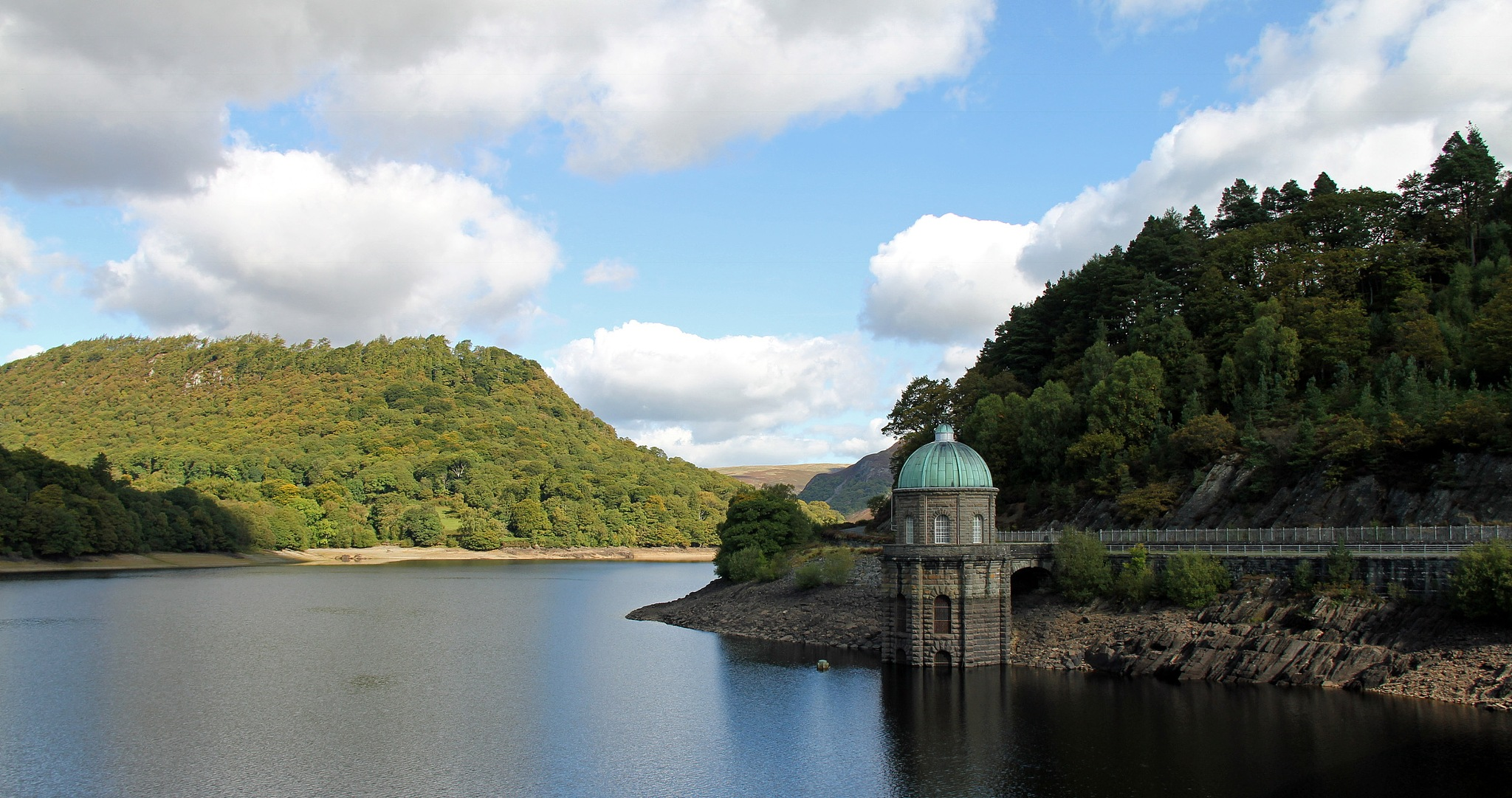 Elan Valley  by Jme
