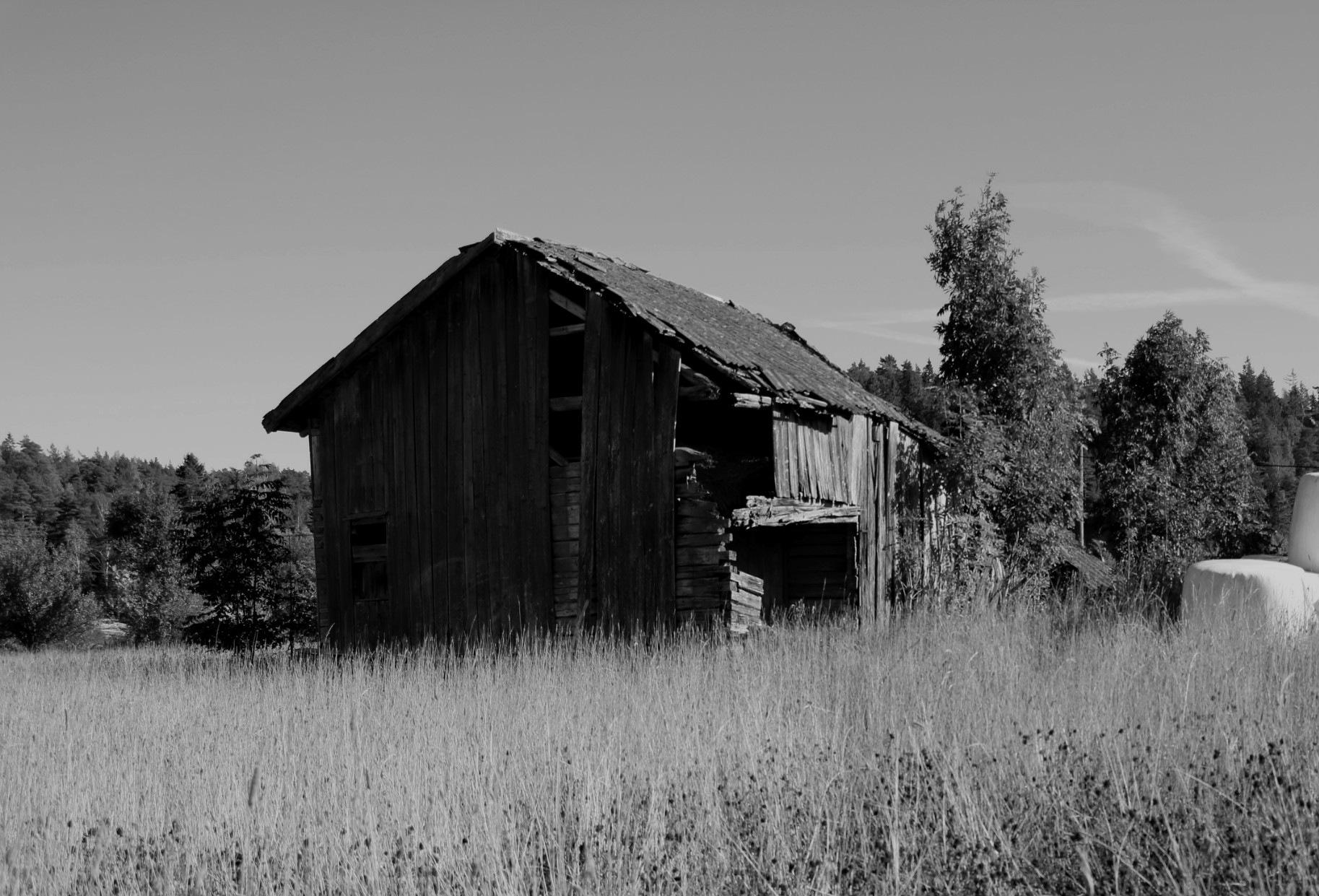 Abandoned barn! by Amandaviktoria