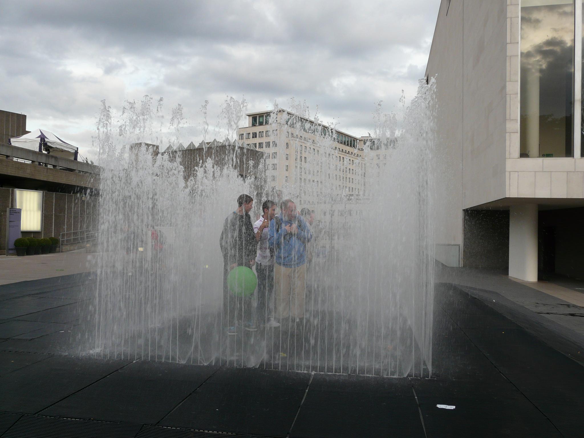 People locked inside fountain :) by floyd74