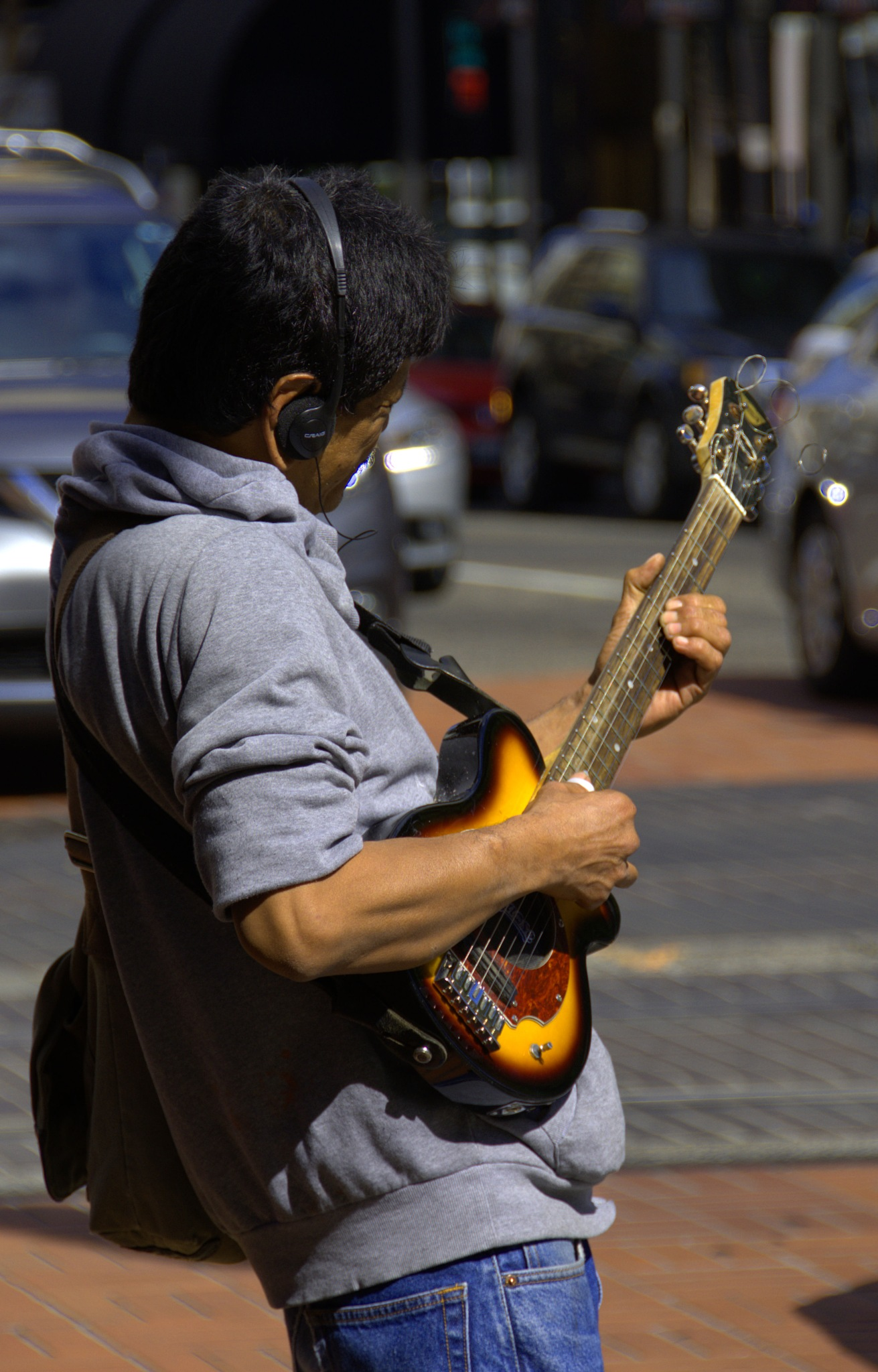 Street Musician by pscottwong