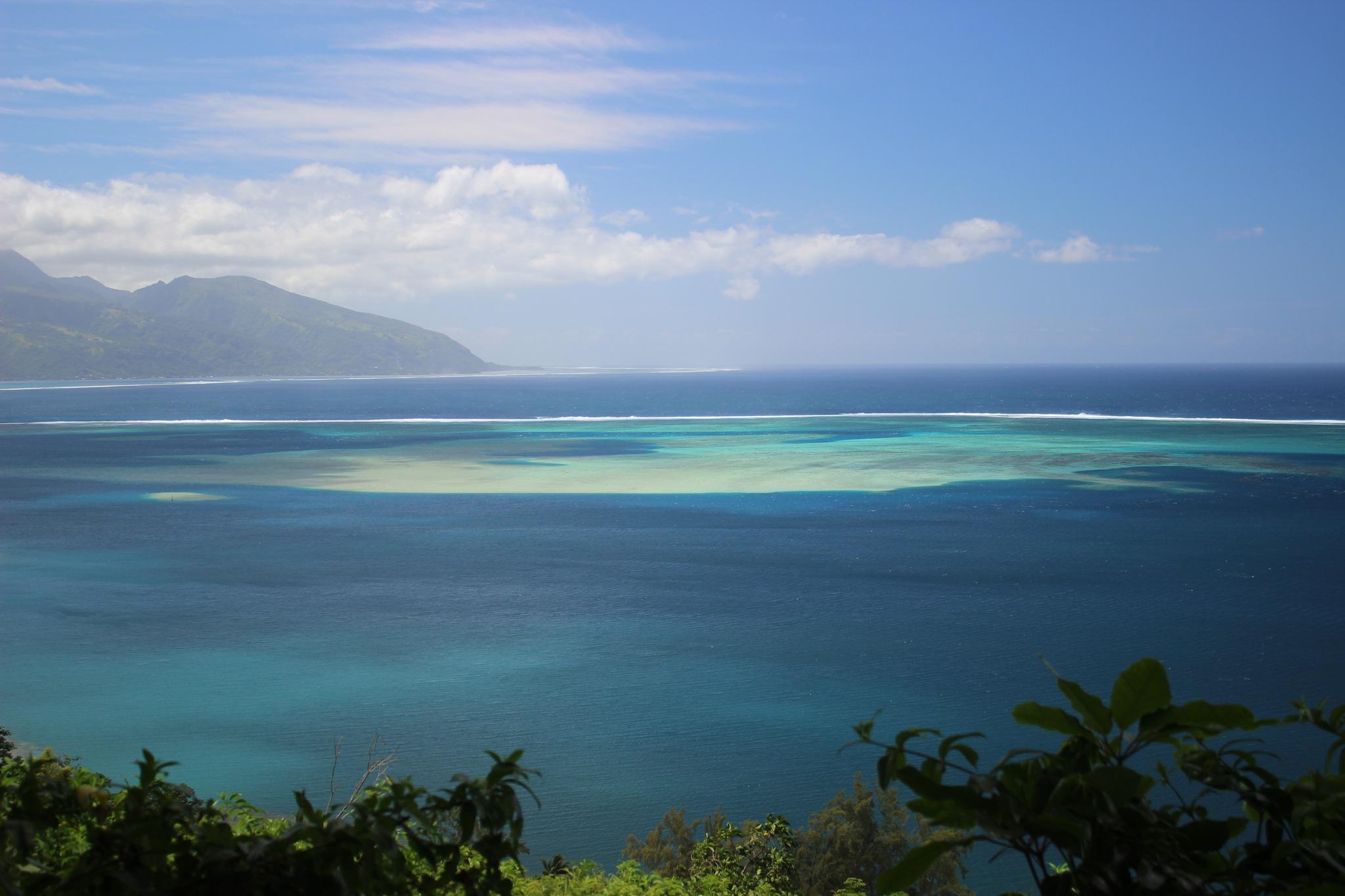 Tahiti Iti by Cieutat serge