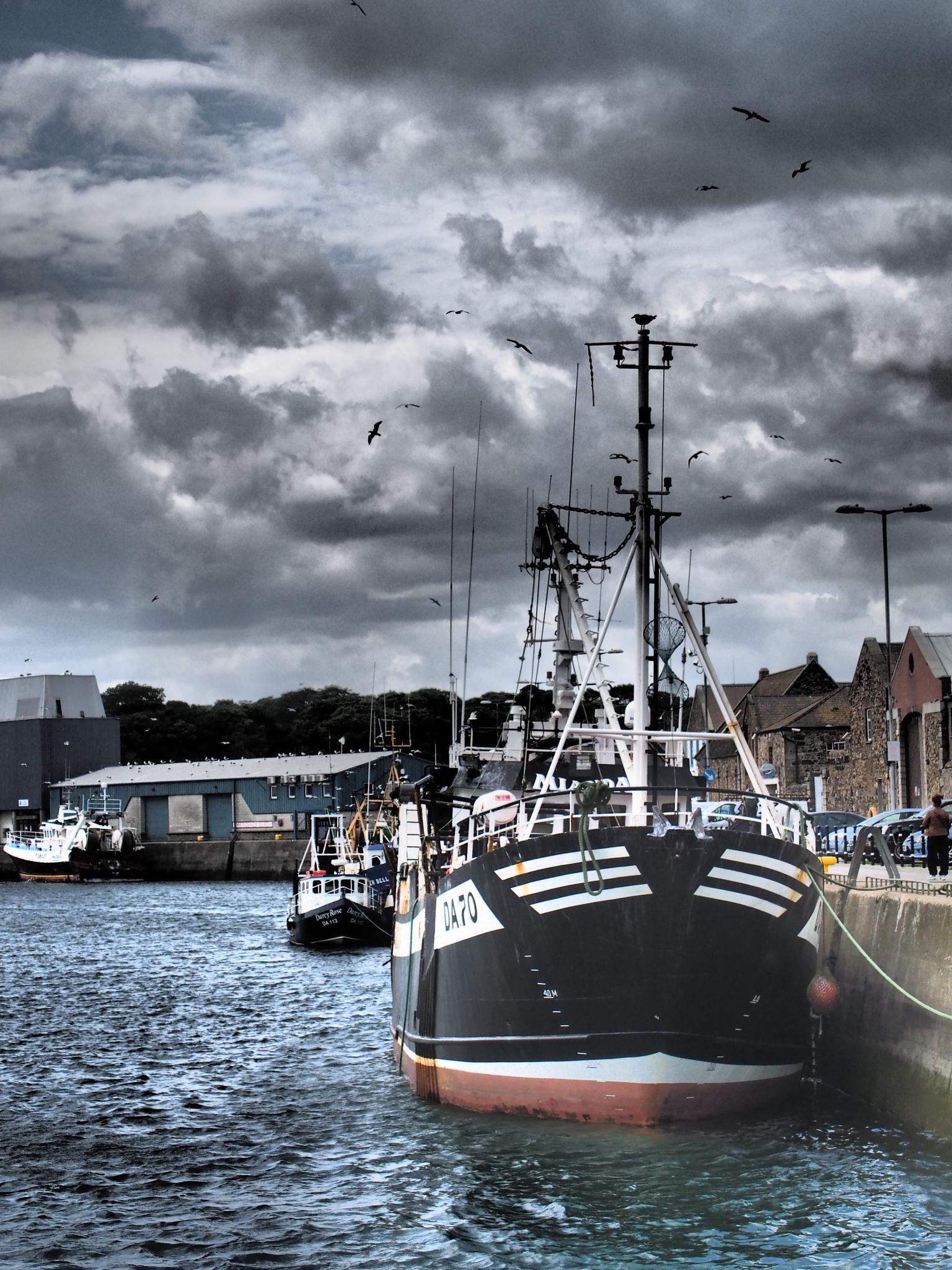 The Fishing Boat by jojo500