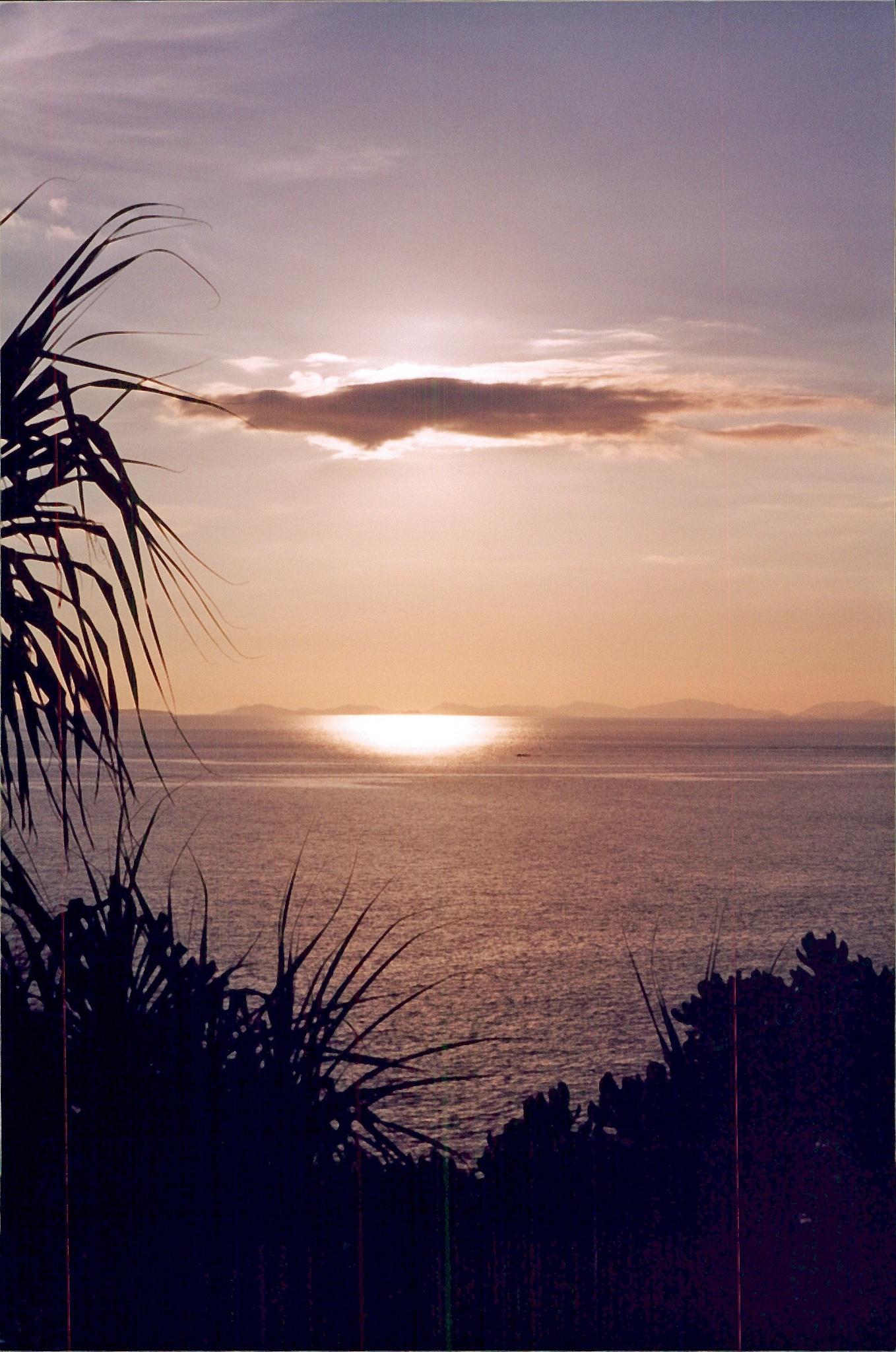 Phi Phi Island sunset by cindascheef