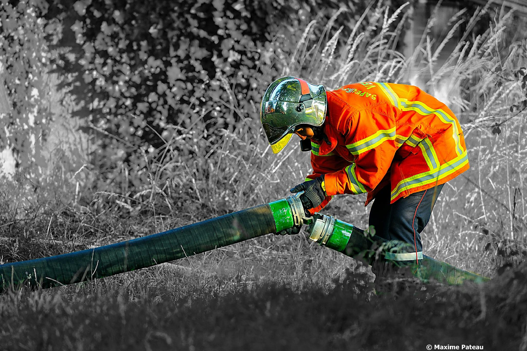 Fireman at work by Maxime Pateau > #Photosplus
