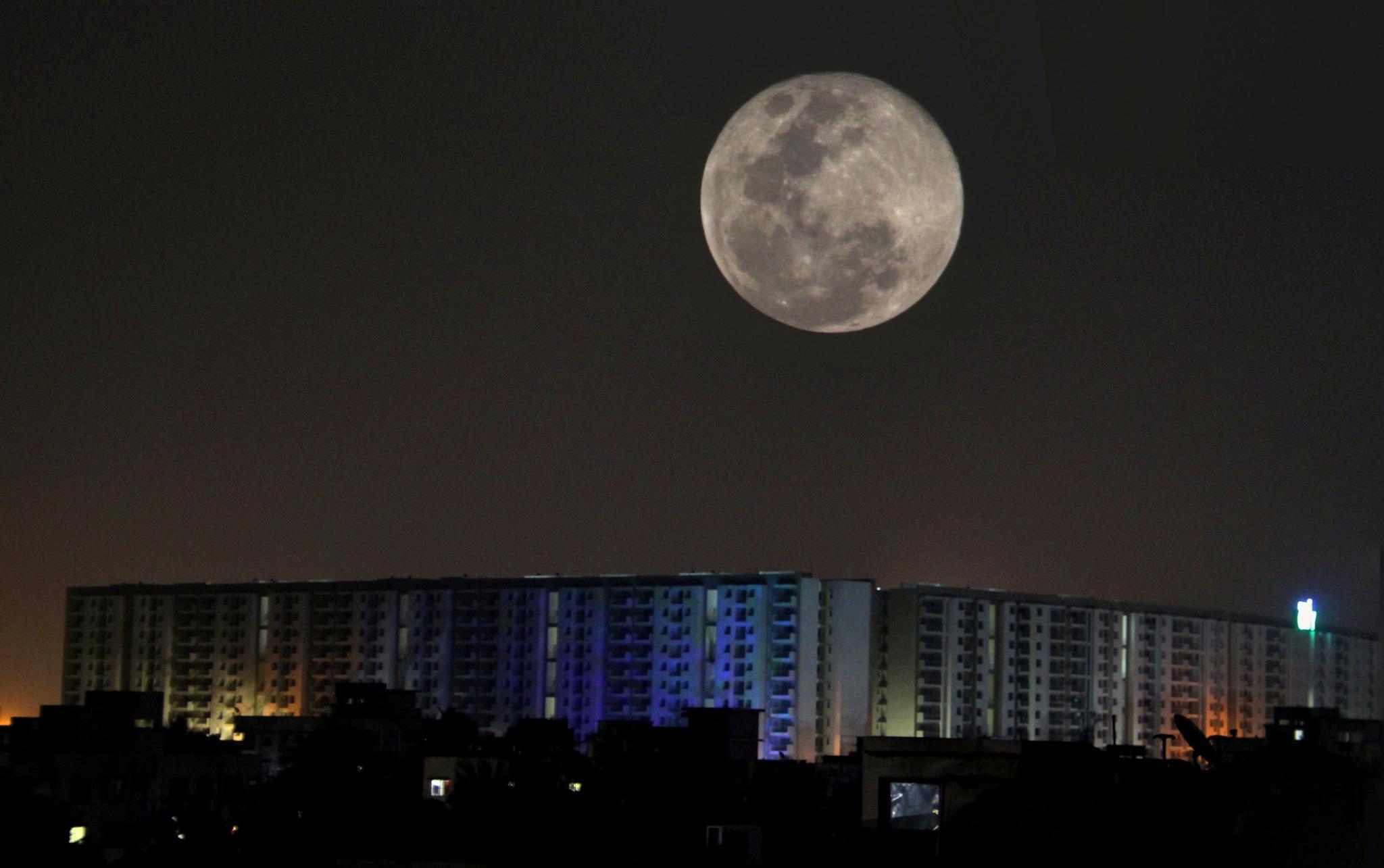 Happy Holi Moon  by surajit