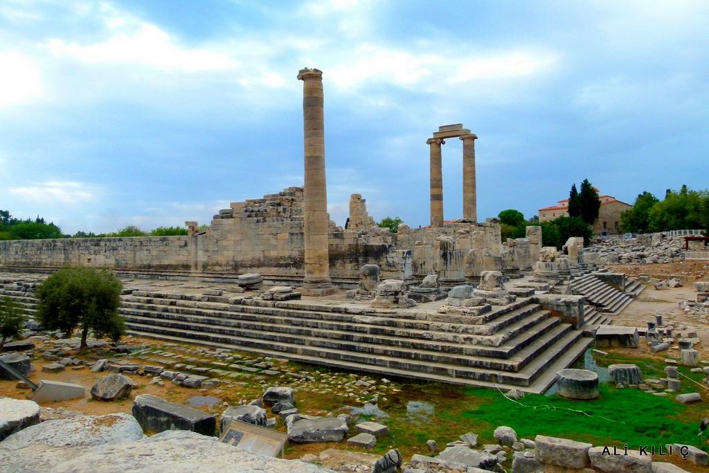 The temple of Apollo by Ali KILIÇ