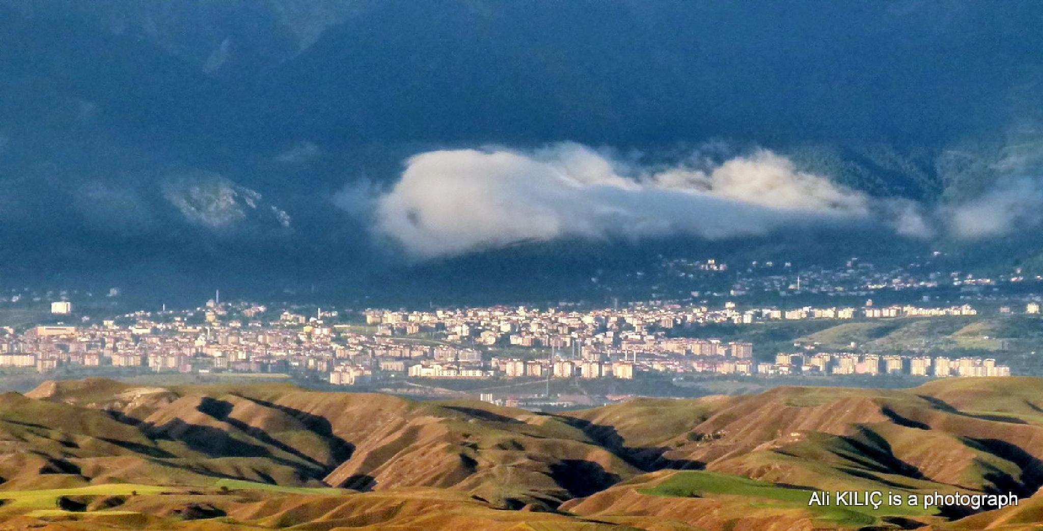 Dağların arkasındaki yaşam..Life behind the mountain by Ali KILIÇ