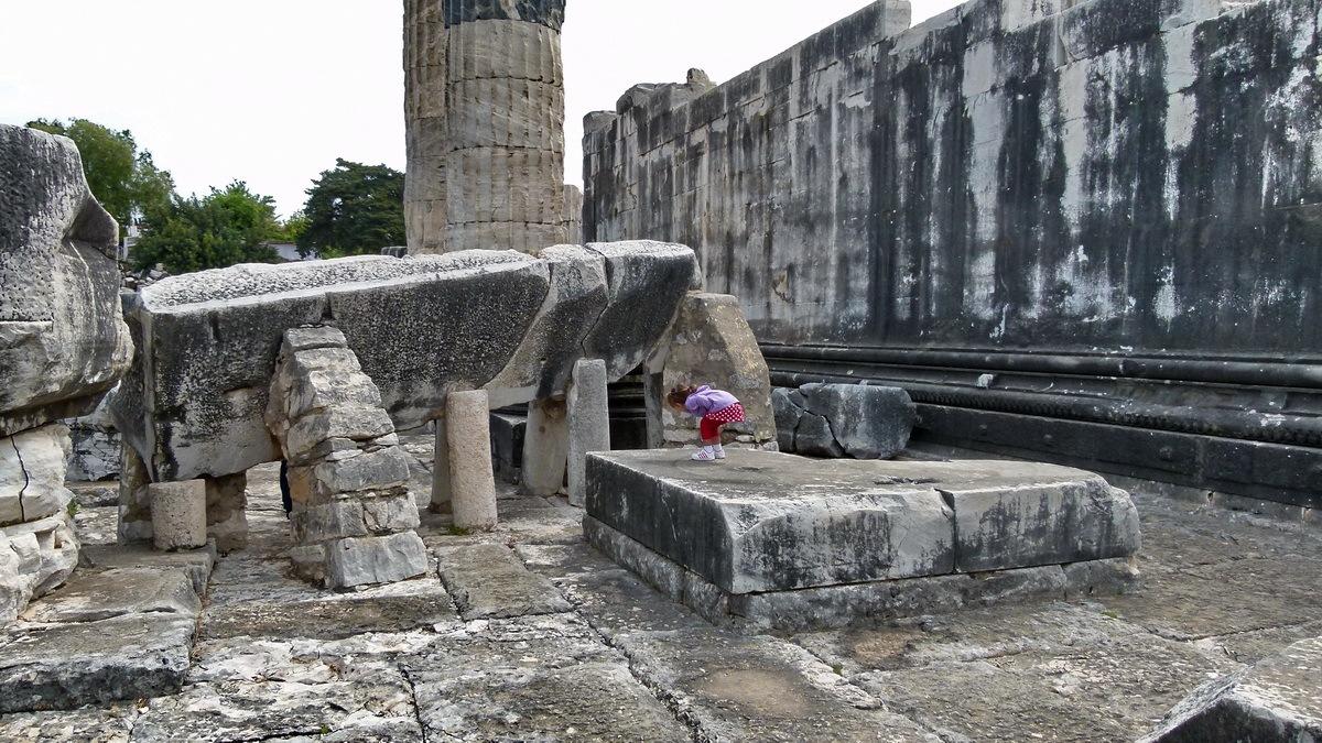The ruins of the Temple of Apollo at Didyma 2 by Ali KILIÇ