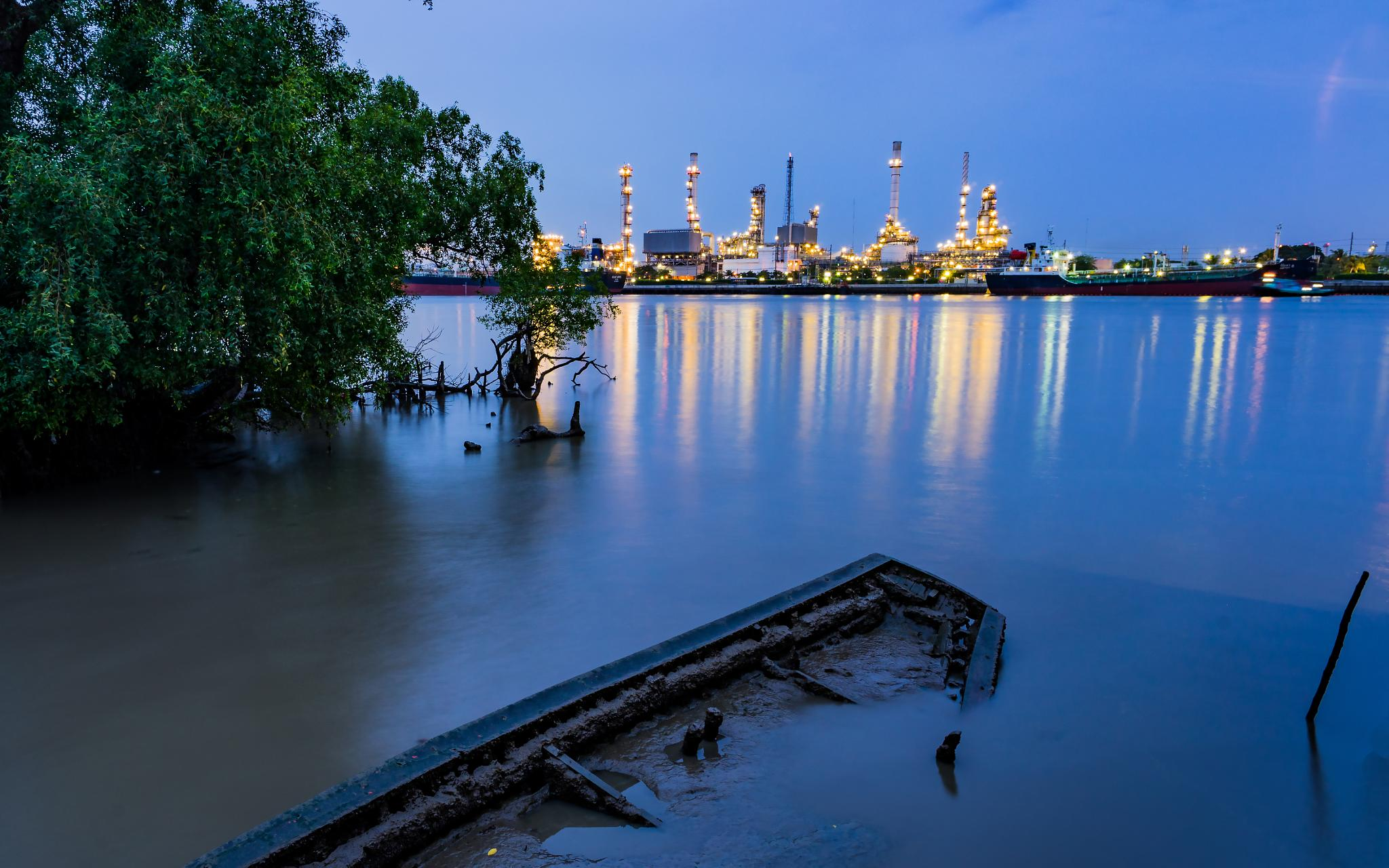 Refinery HDR Version by Nuttapong Tirayon