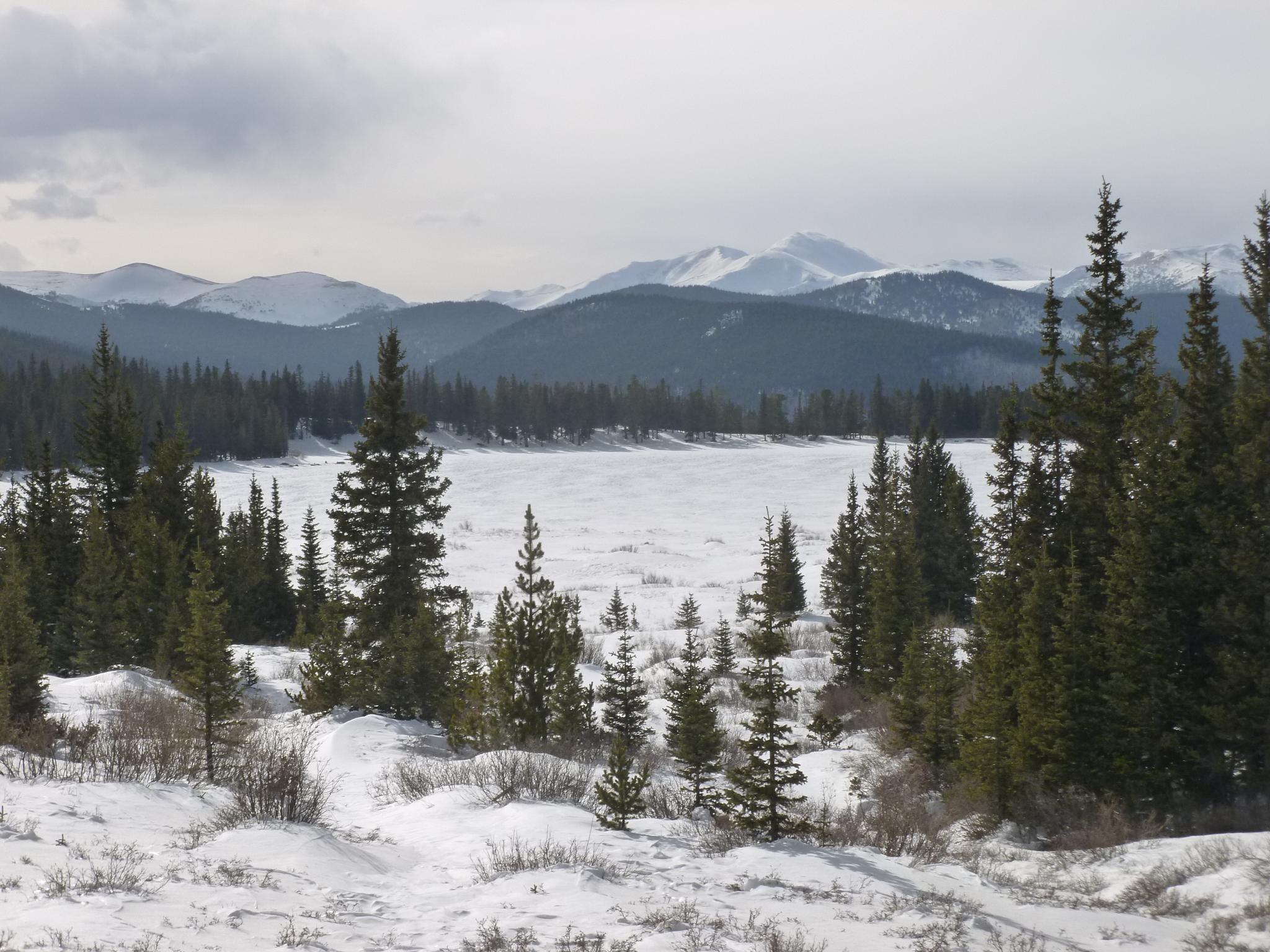 Mt Evans frozen lake by judylk57