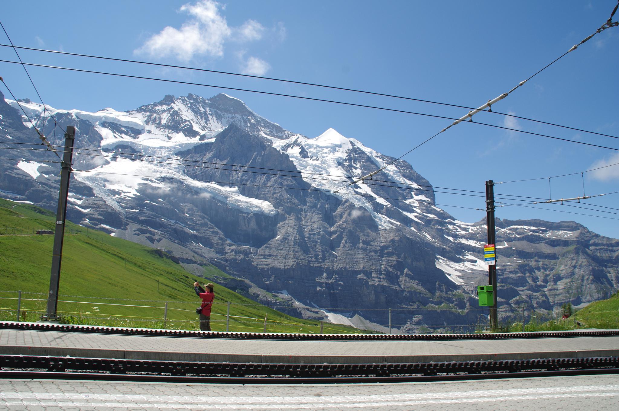 Kleiner Scheidegg  by Geoff Munro