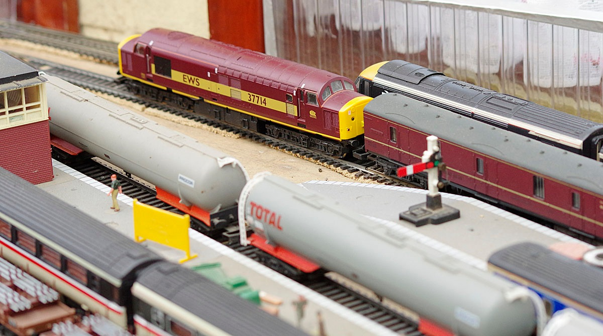 Lima Class 37 EWS 37714-3-26 October 2016.jpg by Owen Smithers