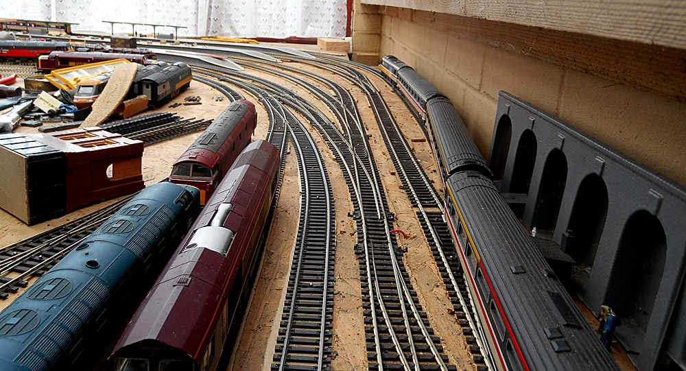 Model Railway West Junction Changes 2-03 November 2016 by Owen Smithers