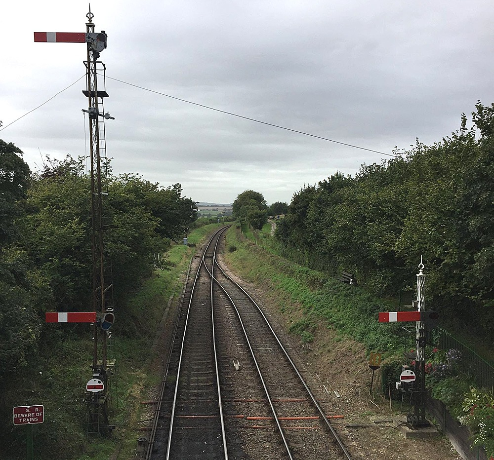 Mid Hants Heritage Railway Ropley Station tracks West 28 September 21016 by Owen Smithers